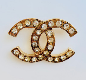 CHANEL CLASSIC VINTAGE CRYSTAL LOGO PIN