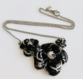 CHANEL BLACK & SILVER CAMELLIA NECKLACE
