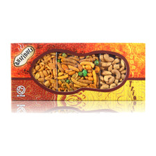 austiNuts Yummy Trio - Texas Heat!  Going to a celebration? Bring this spicy treat mix and be a hit!  Contains: Spicy Peanuts, South of the Border Mix, Cayenne Cashews
