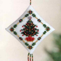 Holiday Trimmings Tiny Treasured Diamond Beaded Kit Mill Hill 2004