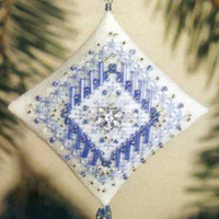 Icy Snowflake Tiny Treasured Diamond Ornament Bead Kit Mill Hill 2003