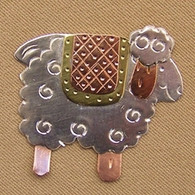 Magnetic Shawl Pin - Country Quilt Sheep