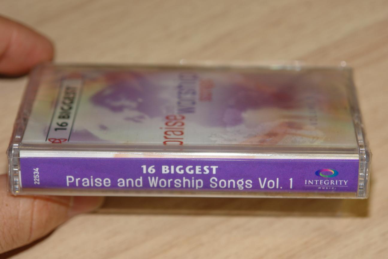 16-biggest-praise-and-worship-songs-volume-1-integrity-music-audio-cassette-22534-2-.jpg