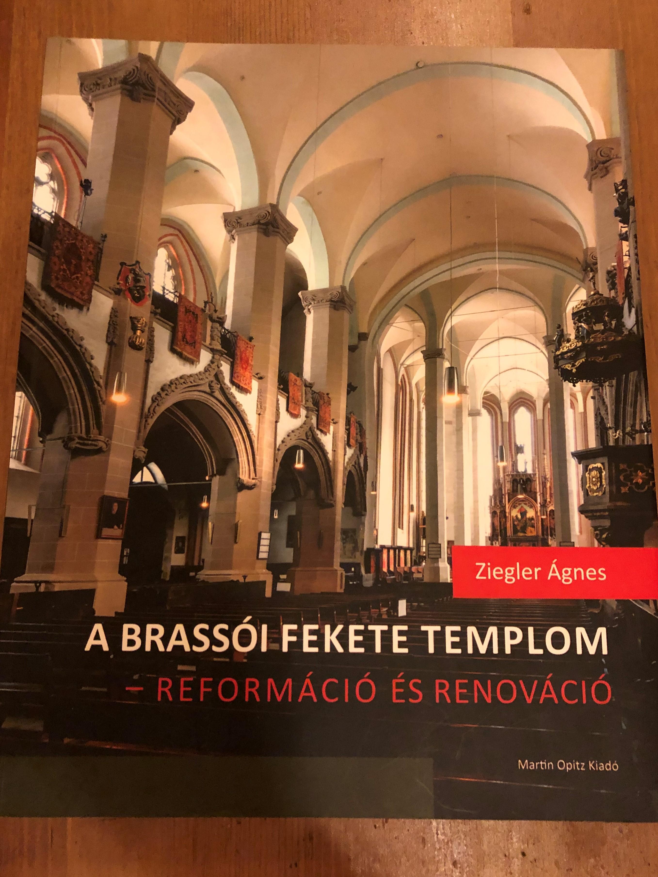 a-brass-i-fekete-templom-reform-ci-s-renov-ci-by-ziegler-gnes-1.jpg