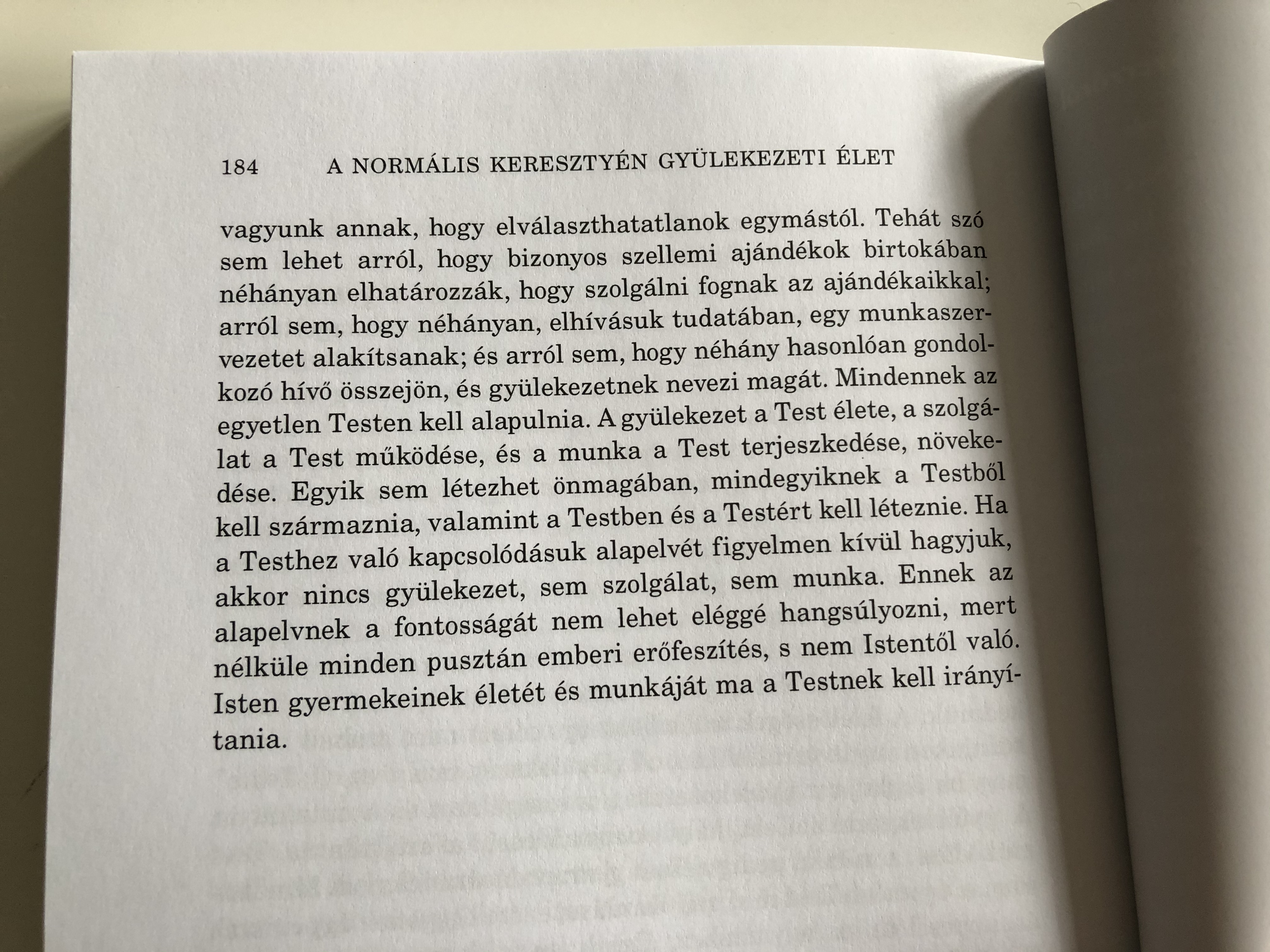 a-norm-lis-kereszty-n-gy-lekezeti-let-by-watchman-nee-the-normal-christian-church-life-in-hungarian-language-8.jpg