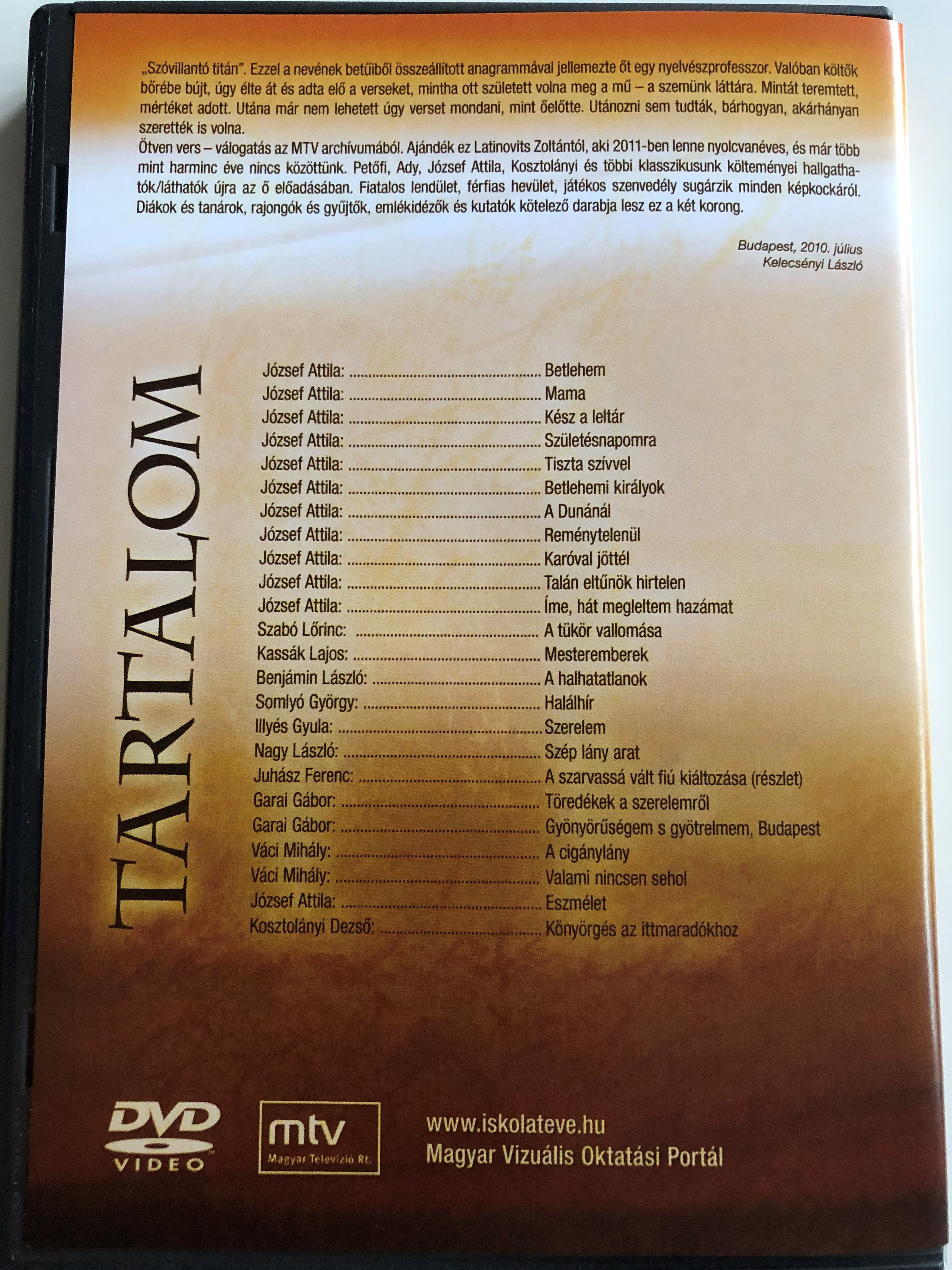 a-vil-g-vagyok-latinovits-zolt-n-50-vers-dvd-2-tven-vers-v-logat-s-az-mtv-arch-vum-b-l-2.-lemez.jpg