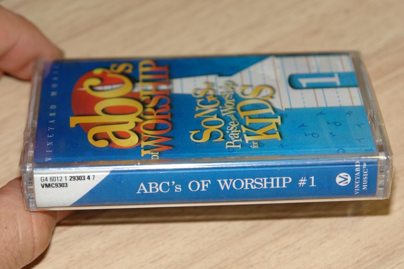 abc-s-of-worship-1-songs-of-praise-and-worship-for-kids-vineyard-music-audio-cassette-vmc9303-2-.jpg