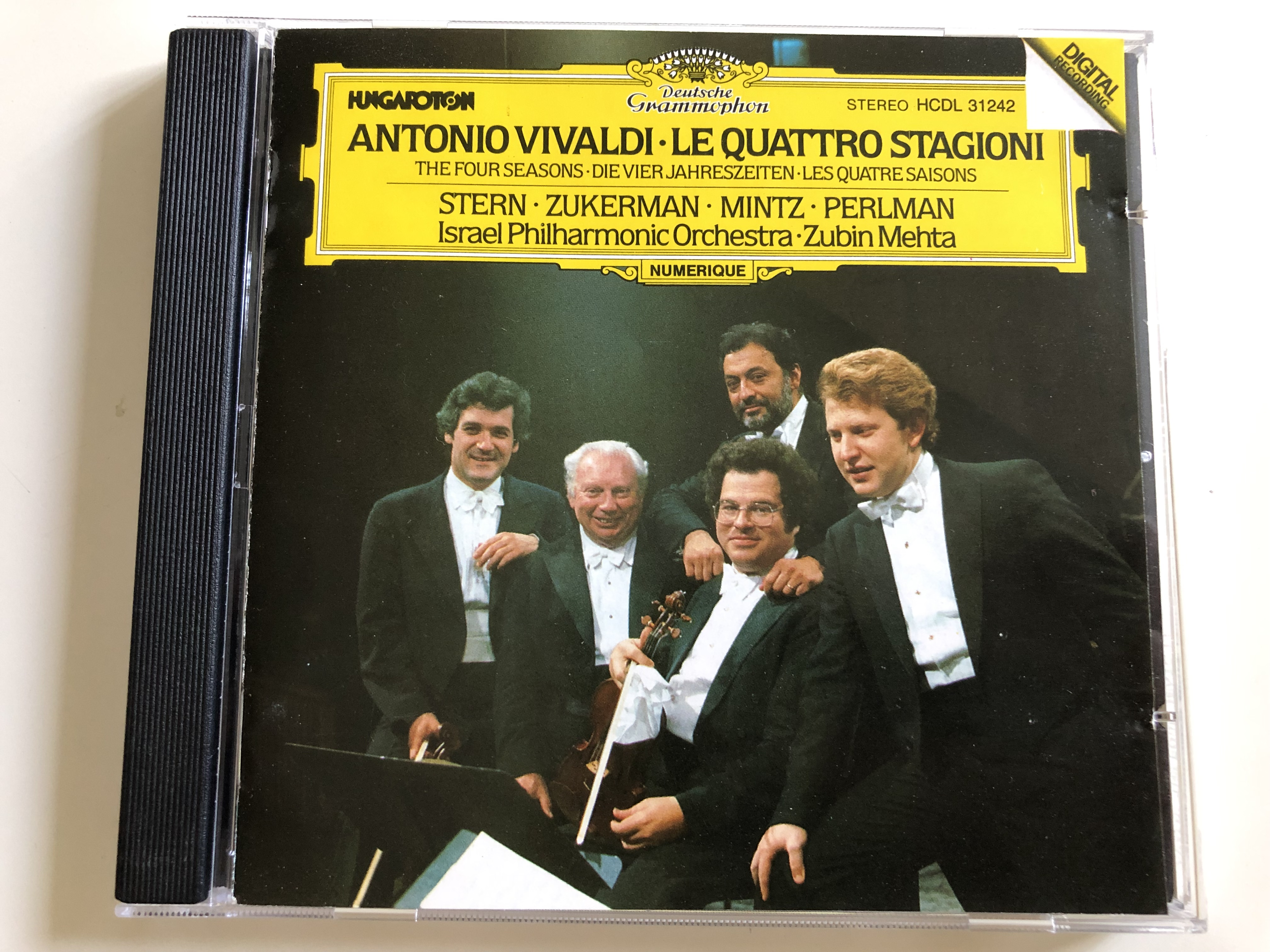 antonio-vivaldi-le-quattro-stagioni-the-four-seasons-stern-zukerman-mintz-perlman-israel-philharmonic-orchestra-conducted-by-zubin-mehta-hungaroton-audio-cd-1983-hcdl-31242-1-.jpg