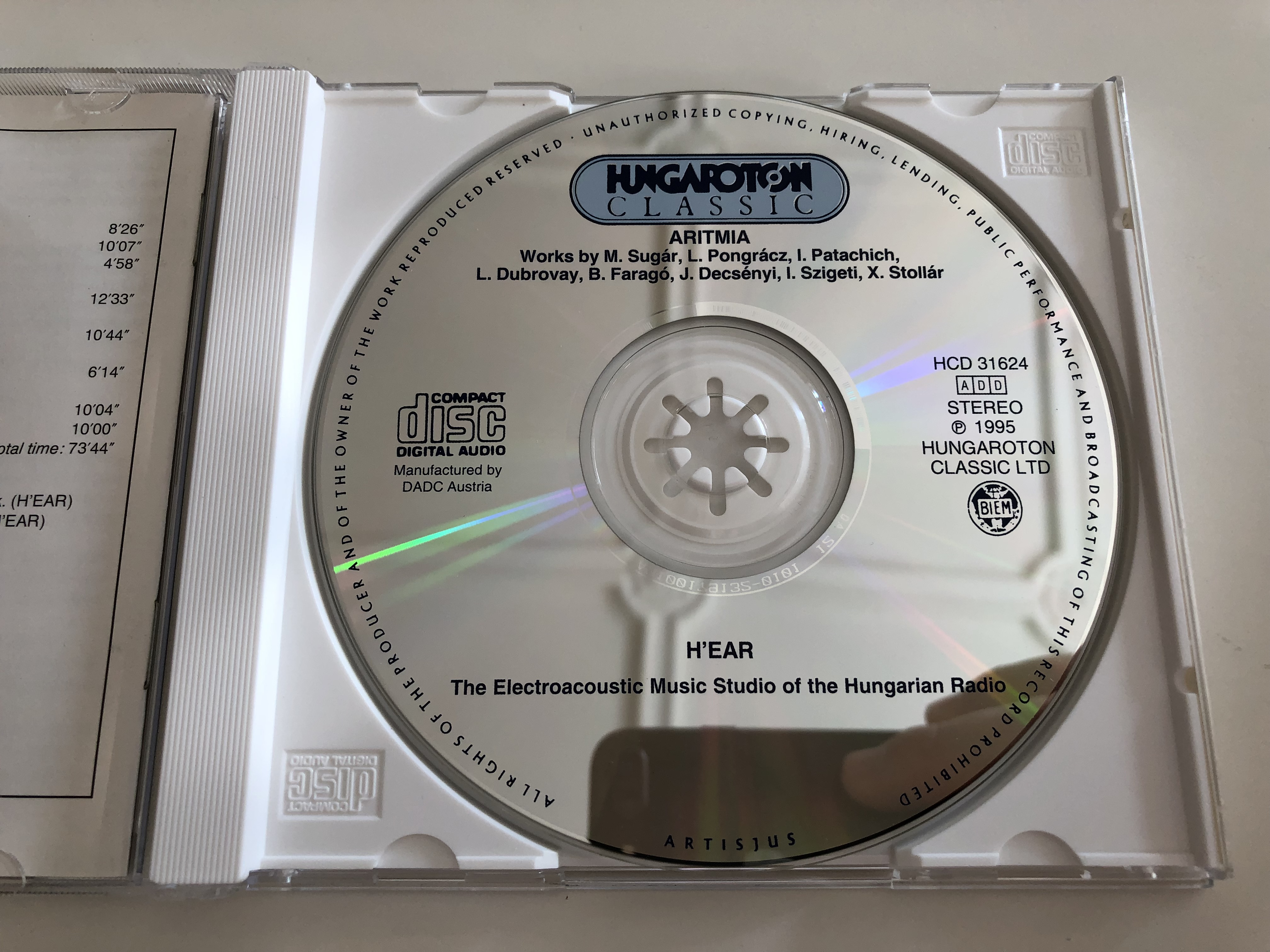 aritmia-works-by-mikl-s-sug-r-zolt-n-pongr-cz-iv-n-patachich-l-szl-dubrovay-b-la-farag-j-nos-decs-nyi-istv-n-szigeti-x-nia-stoll-r-hungaroton-classic-magyar-r-di-audio-cd-1995-hcd-31624-7-.jpg