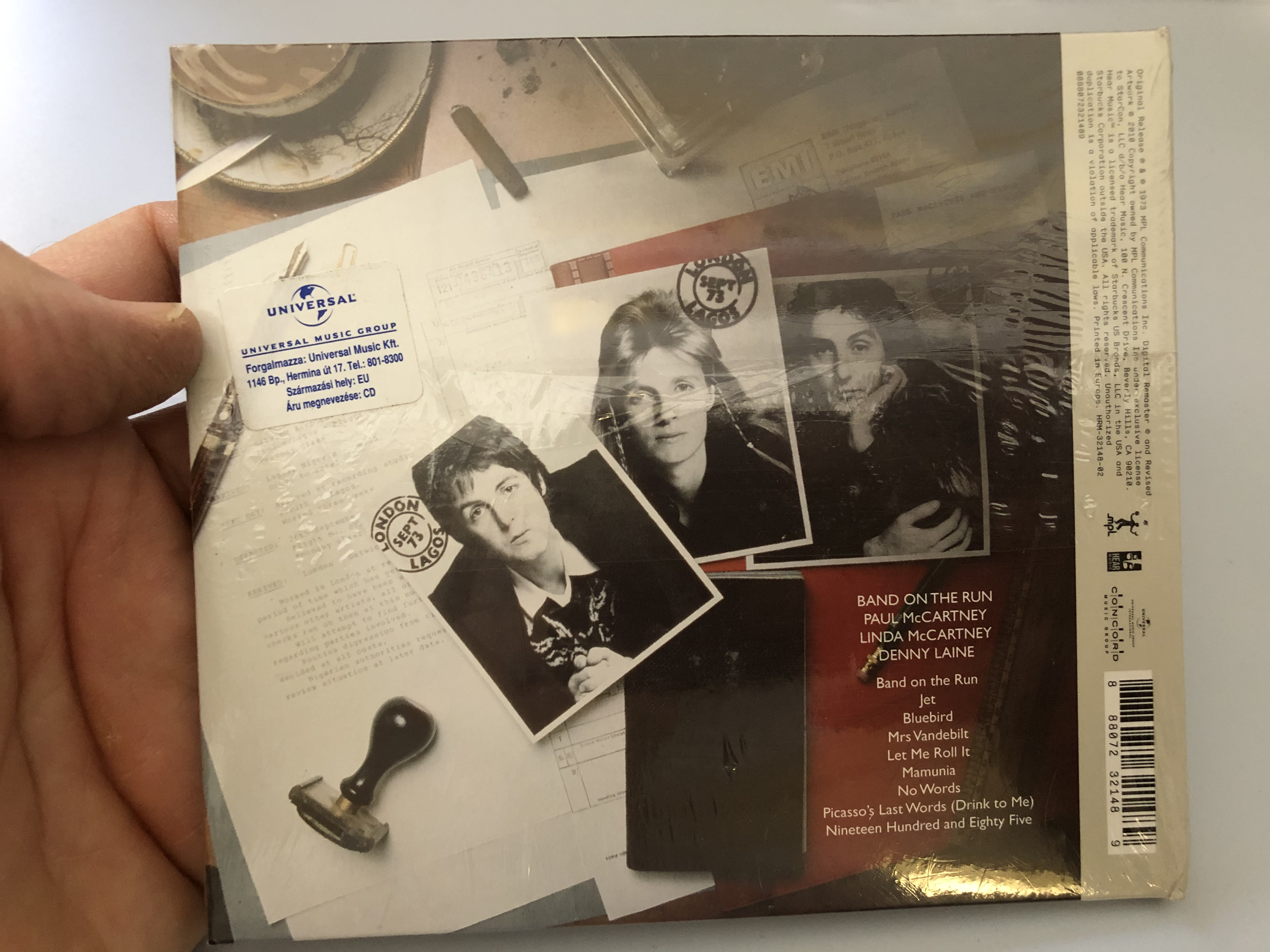 band-on-the-run-paul-mccartney-archive-collection-the-grammy-award-winning-paul-mccartney-wings-classic-newly-remastered-at-abbey-road-studios.-includes-band-on-the-run-and-jet-.jpg