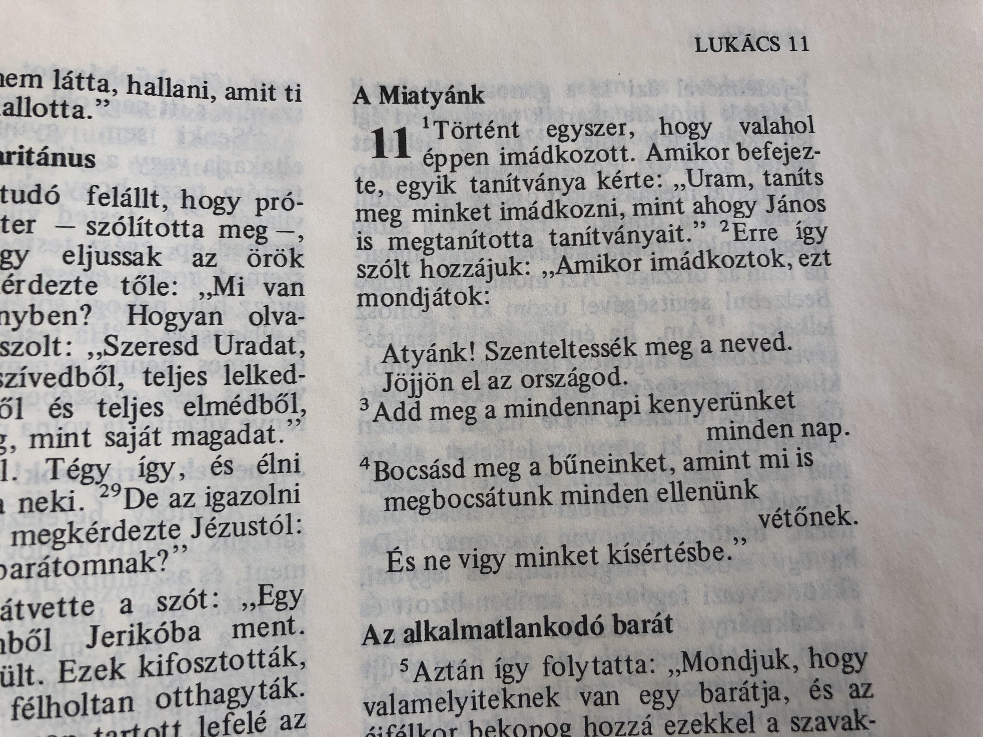 biblia-hungarian-catholic-family-bible-sz-vets-gi-s-jsz-vets-gi-szent-r-s-szent-istv-n-t-rsulat-5th-edition-5.-kiad-s-red-hardcover-14-.jpg