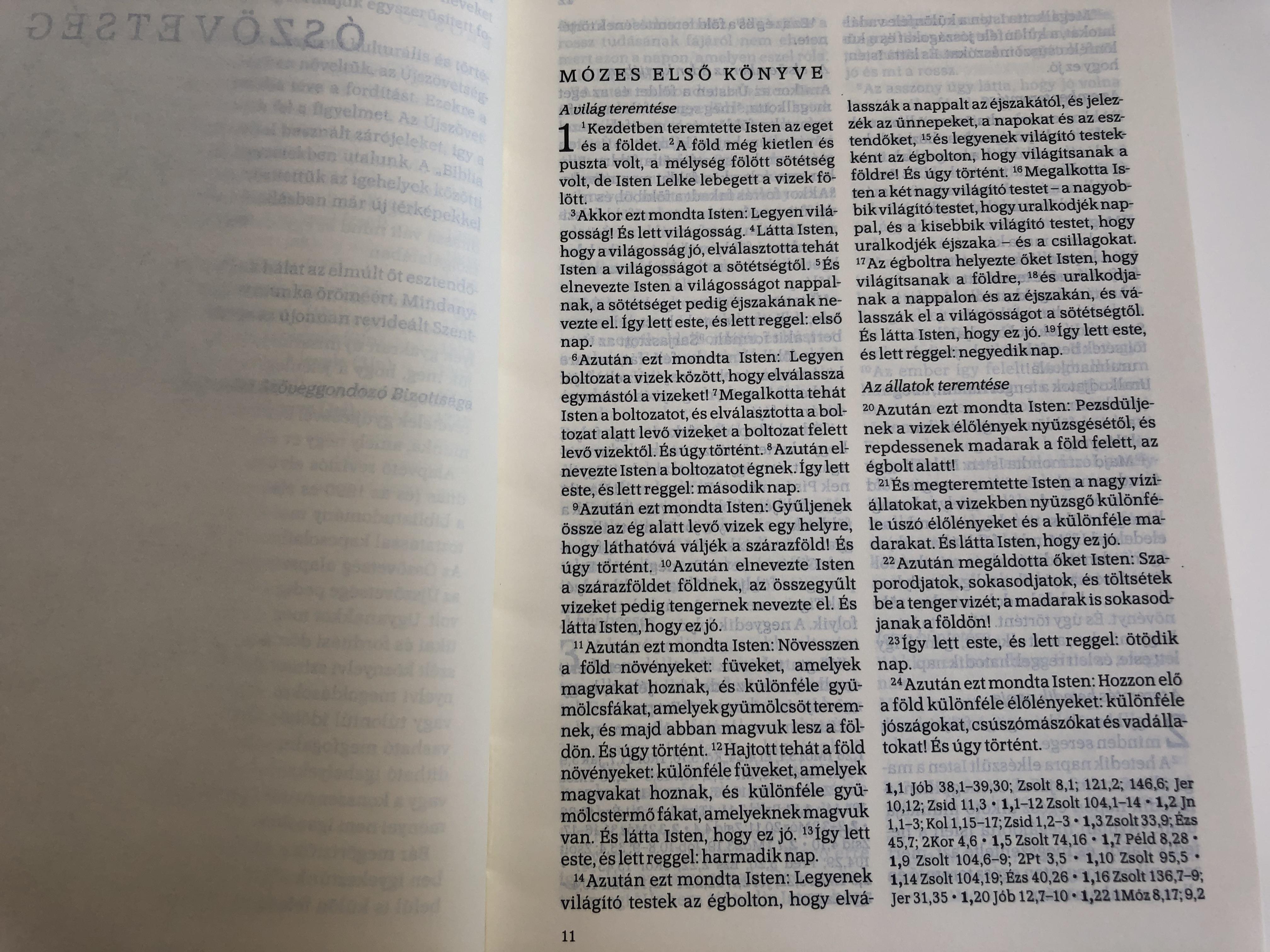 biblia-istennek-az-sz-vets-gben-s-jsz-vets-gben-adott-kijelent-se-r-f-2014-hungarian-language-bible-revised-translation-2020-hardcover-k-lvin-kiad-2018-blue-black-mid-size.jpg