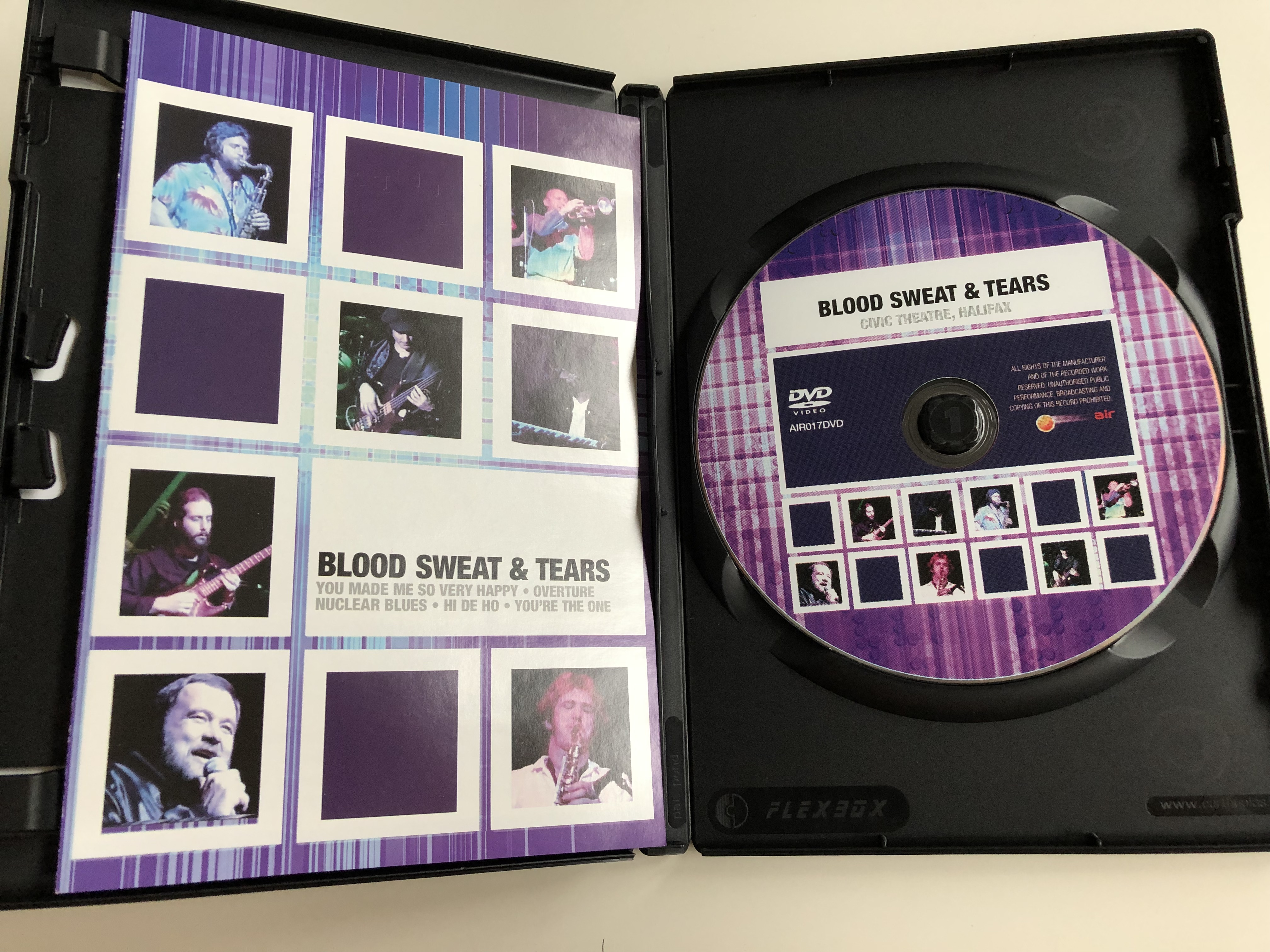 blood-sweat-tears-you-made-me-so-very-happy-overture-nuclear-blues-hi-de-ho-you-re-the-one-civic-theatre-halifax-air017dvd-2-.jpg