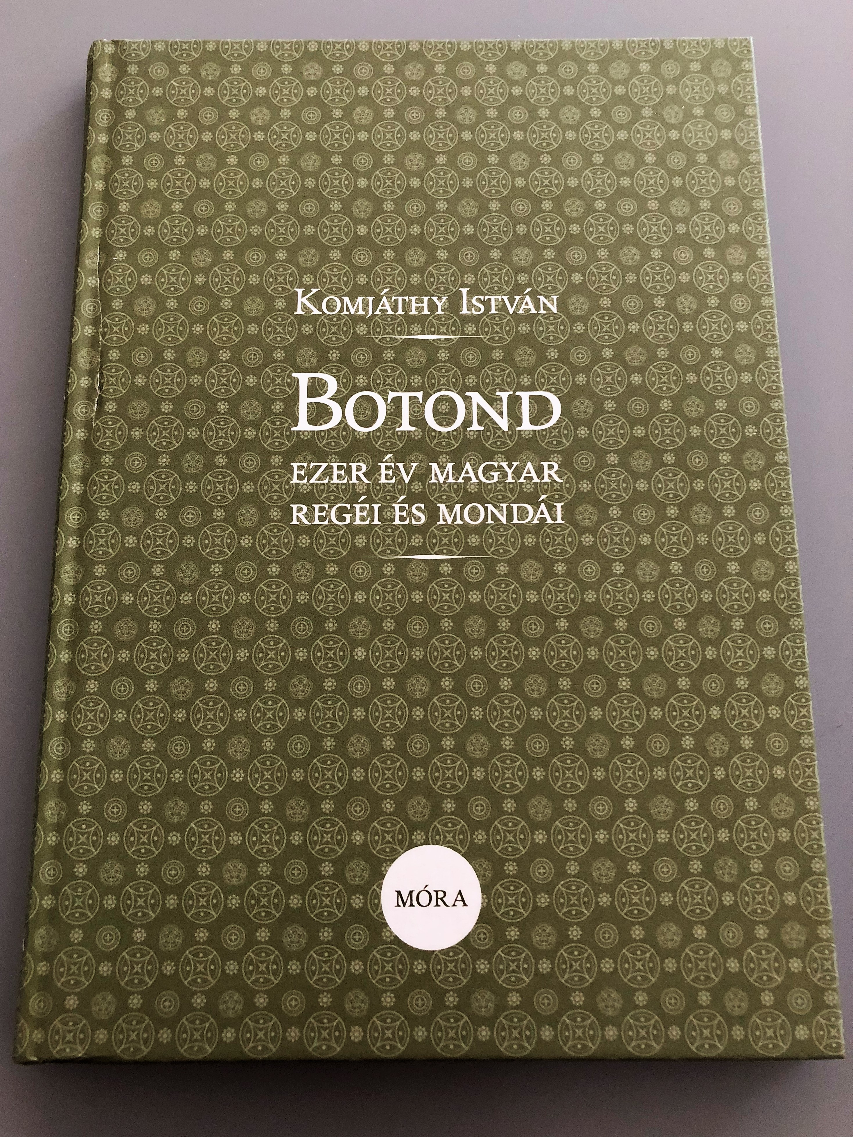 botond-ezer-v-magyar-reg-i-s-mond-i-by-komj-thy-istv-n-a-1000-years-of-hungarian-tales-and-legends-1-.jpg