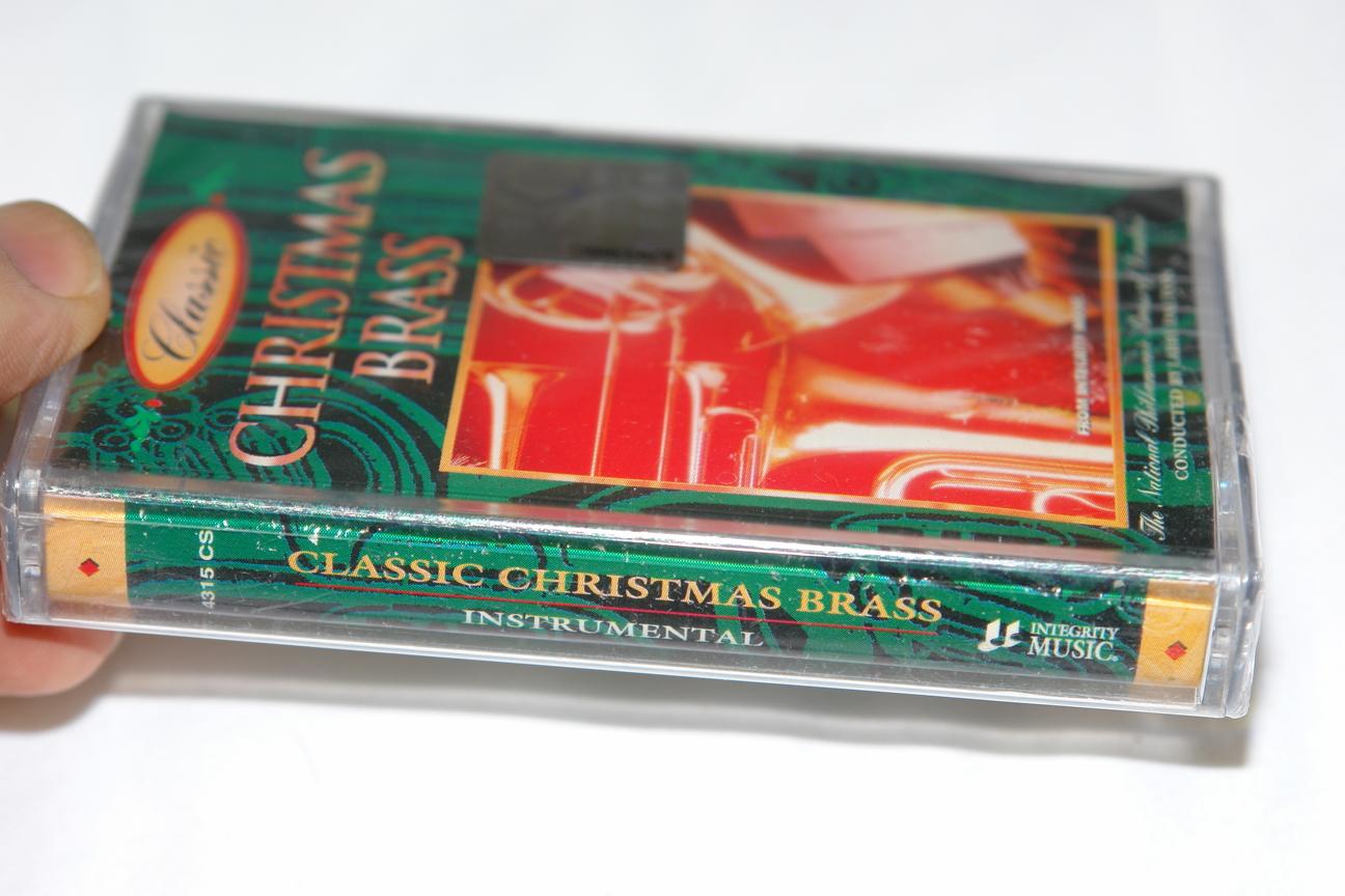 christmas-brass-the-national-philharmonic-brass-of-london-conducted-larry-dalton-integrity-music-audio-cassette-4315-cs-2-.jpg