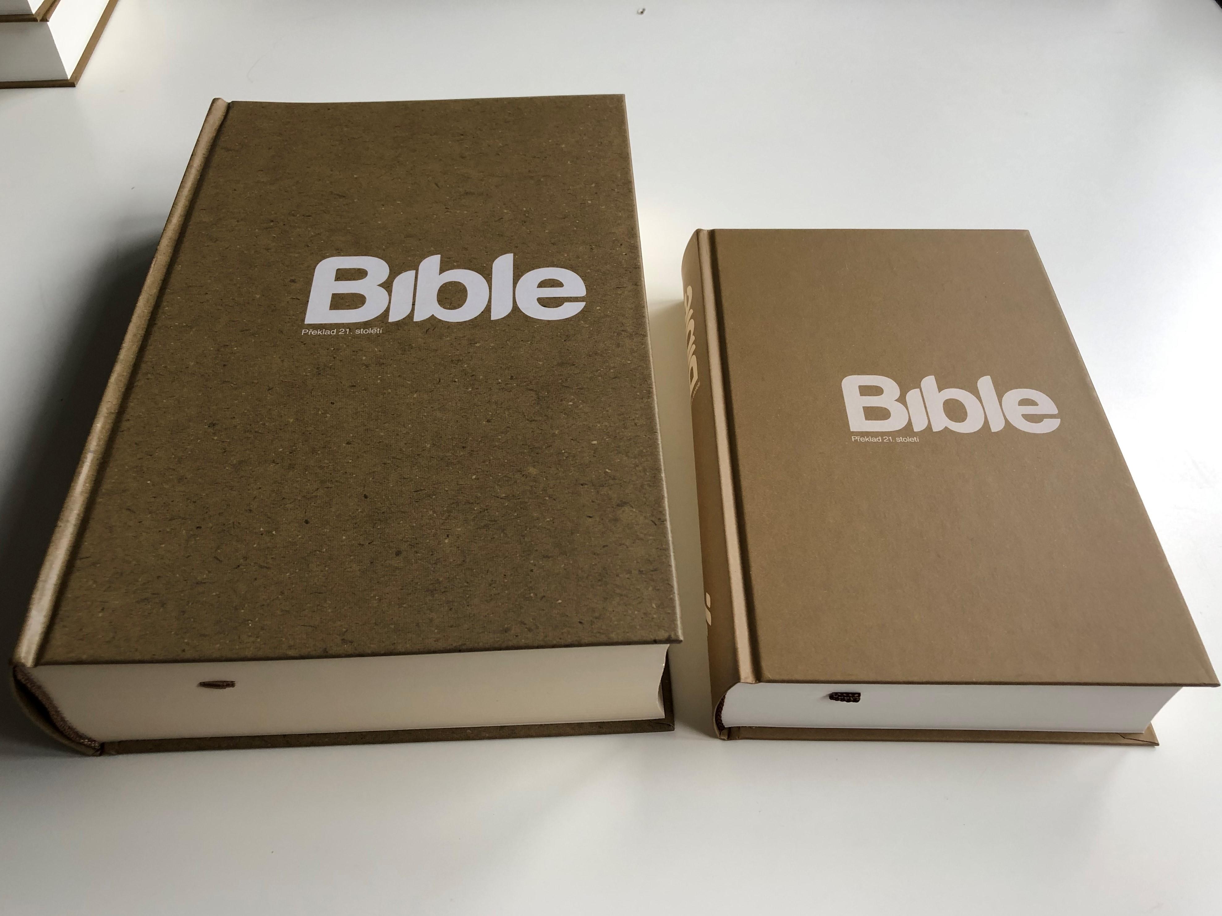 czech-large-print-bible-xl-bible21-2.jpg