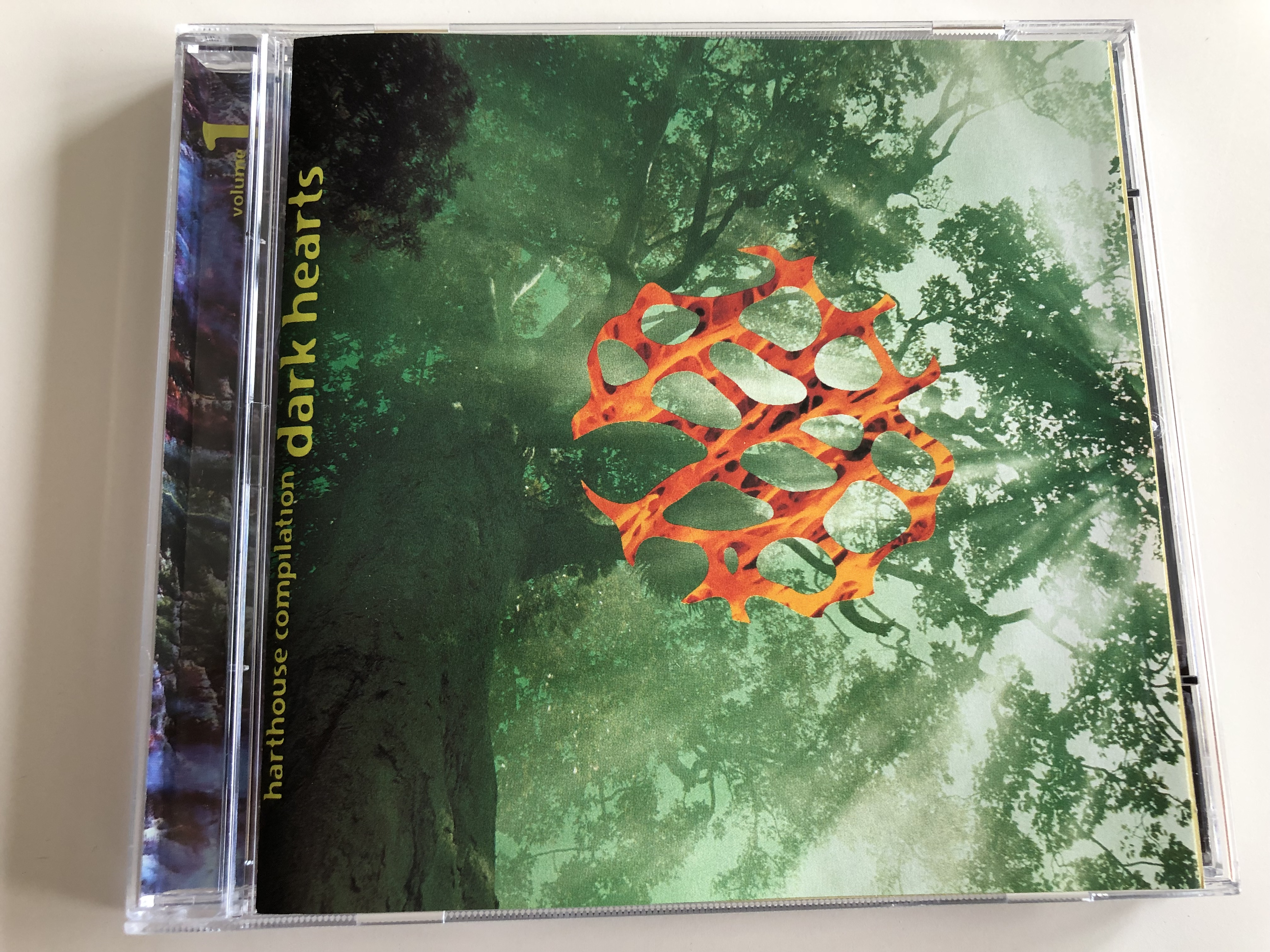 dark-hearts-vol.-1-harthouse-compilation-metal-master-the-ambush-barbarella-progressive-attack-spicelab-alter-ego-audio-cd-1995-hh-1004-2-1-.jpg