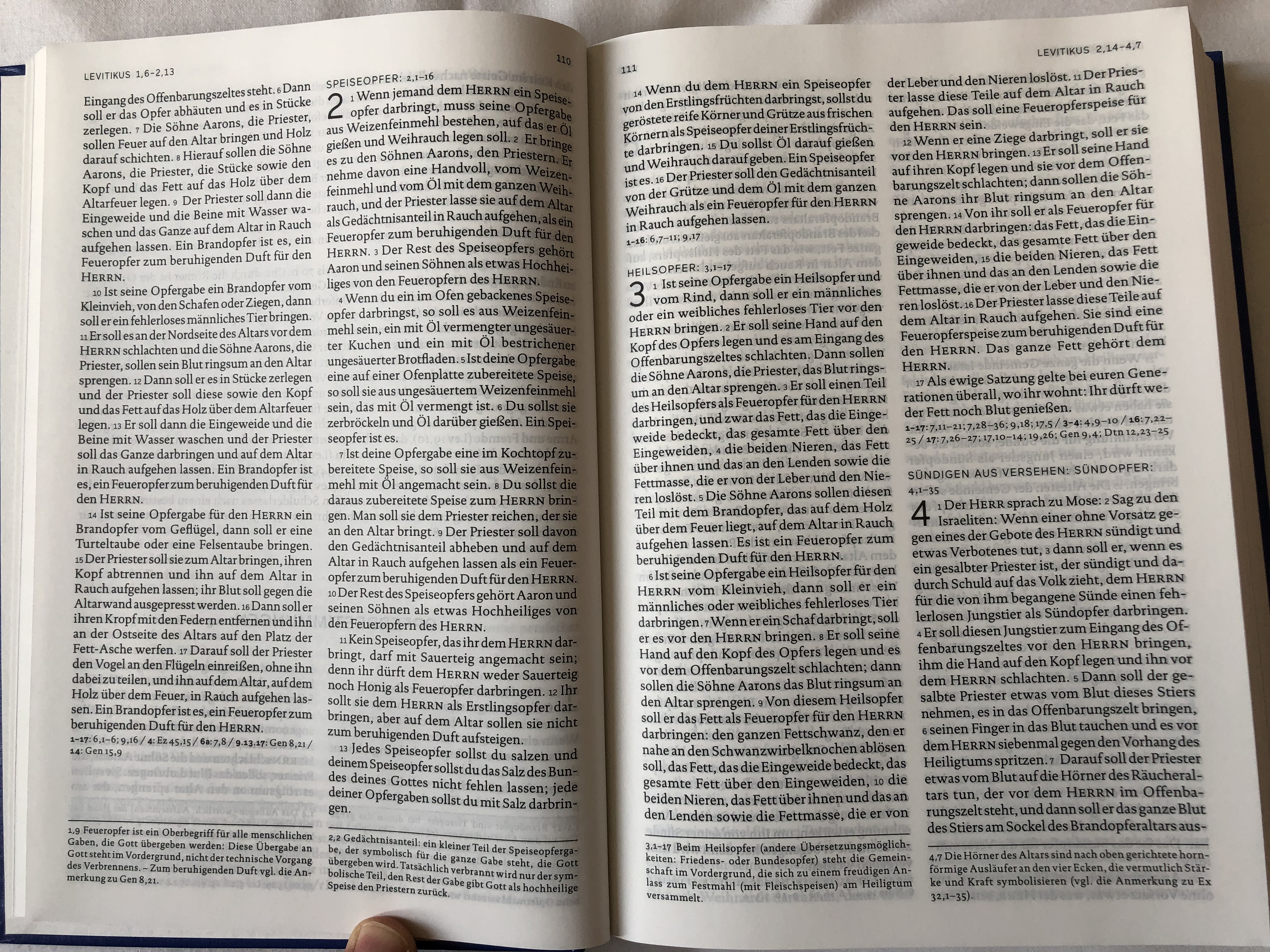 die-bibel-einheits-bersetzung-schulbibel-blau-german-language-holy-bible-unitary-translation-blue-contains-deuterocanonical-books-with-book-introductions-maps-notes-bible-history-timetable-hardcover-2017-kato-6619263-.jpg
