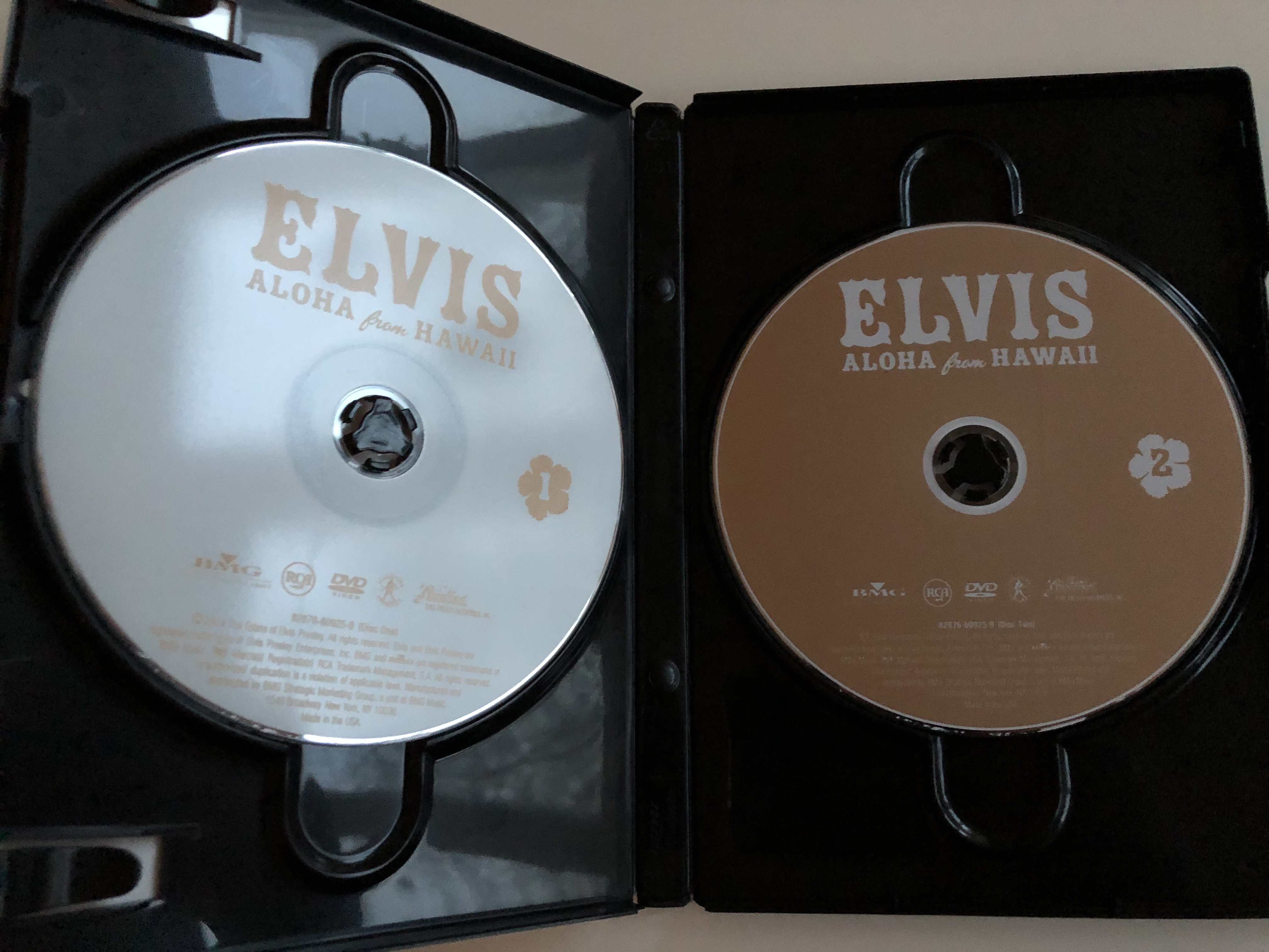 elvis-aloha-from-hawaii-deluxe-edition-dvd-2004-2x-dvd-set-2.jpg