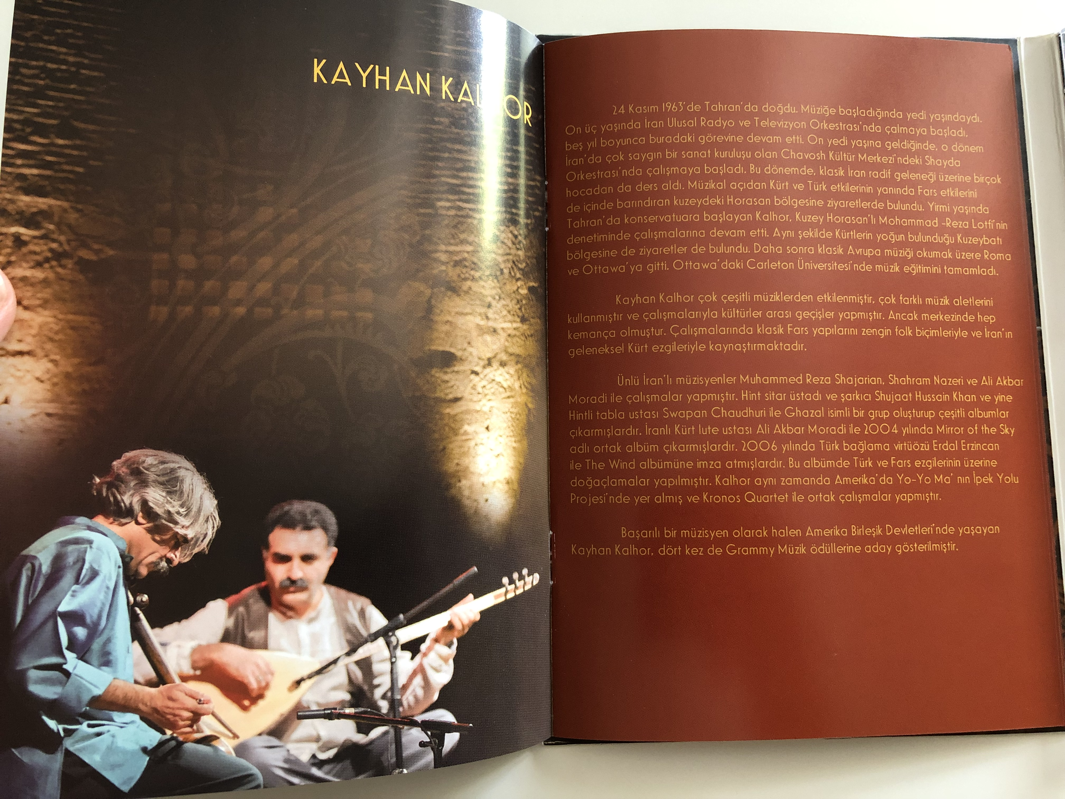 erdal-erzincan-kayhan-kalhor-tahran-konseri-live-in-tahran-dvd-2012-kalan-m-zik-live-concert-recording-8-.jpg