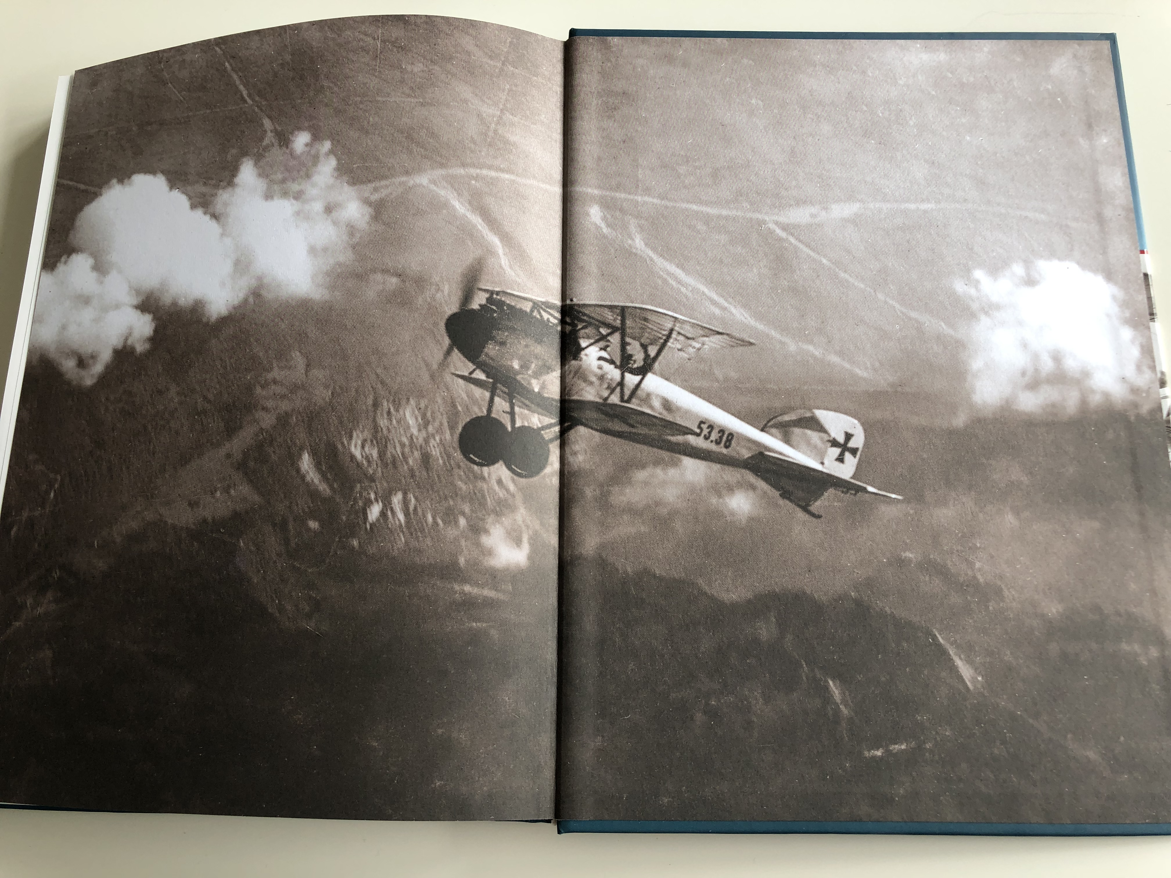 flying-aces-1914-1918-the-most-successful-aviators-of-the-austro-hungarian-monarchy-and-their-equipment-hardcover-2016-hm-zr-nyi-kiad-22-.jpg
