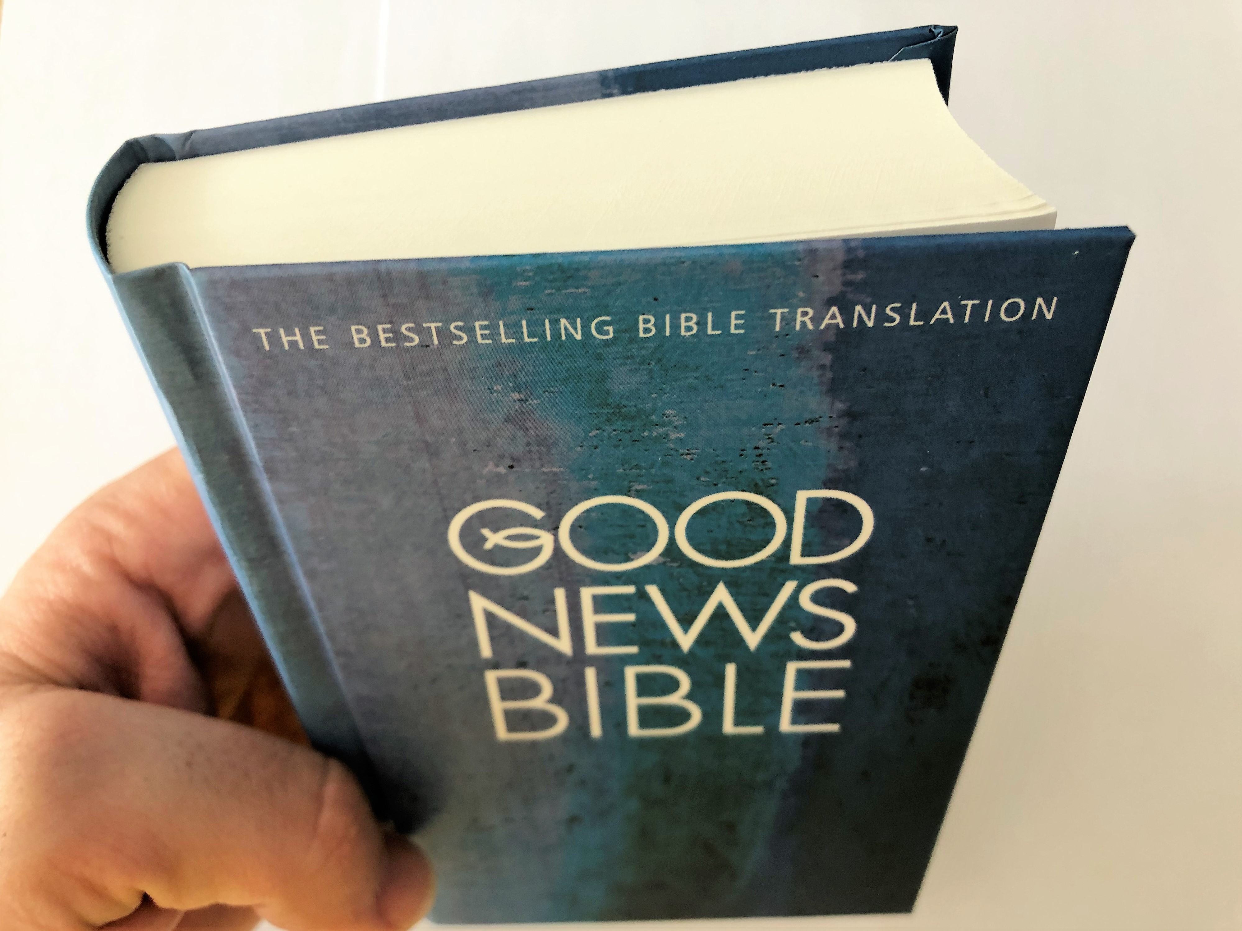 good-news-bible-2015-gnb-the-uk-s-bestselling-bible-translation-hardcover-pocket-edition-blue-15-.jpg