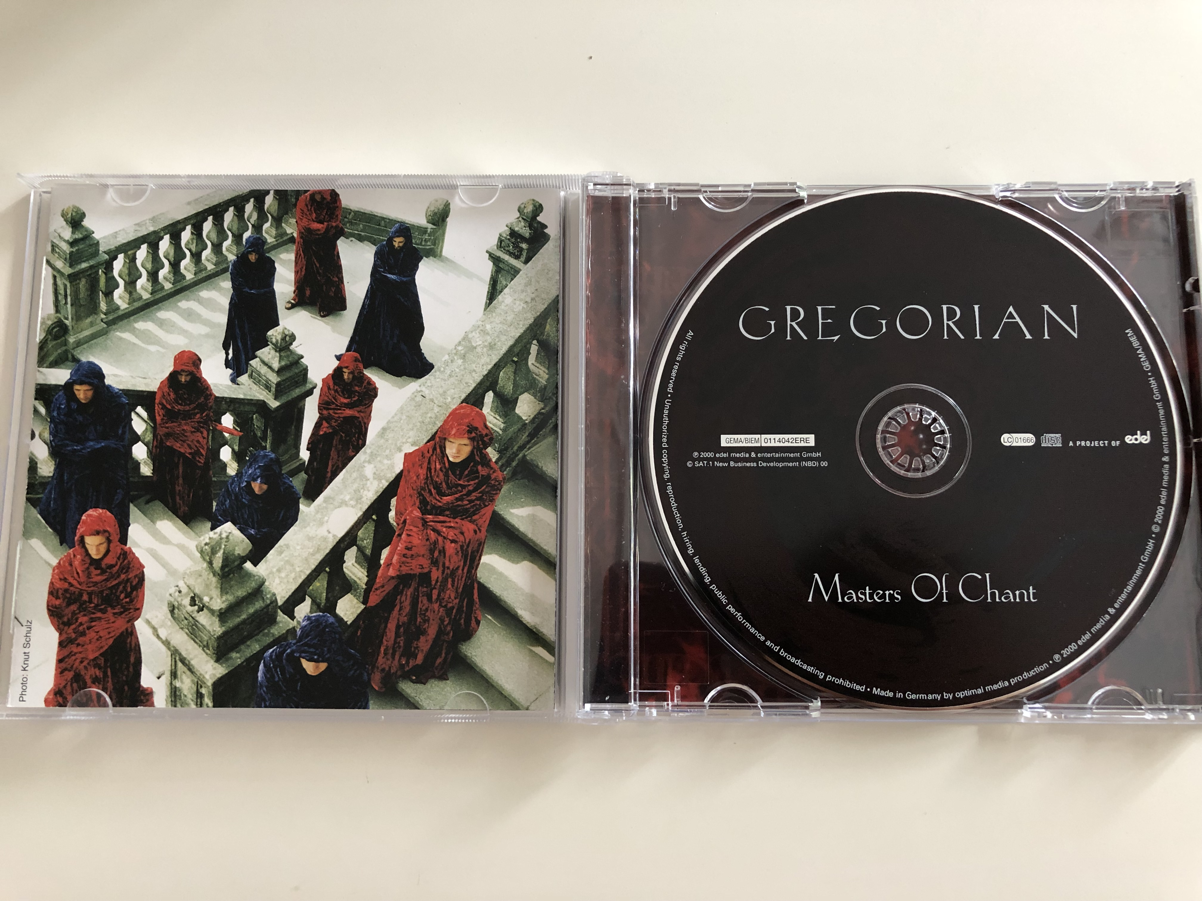gregorian-masters-of-chant-brothers-in-arms-still-i-m-sad-vienna-don-t-give-up-audio-cd-2000-edel-gregorian-versions-of-popular-songs-5-.jpg