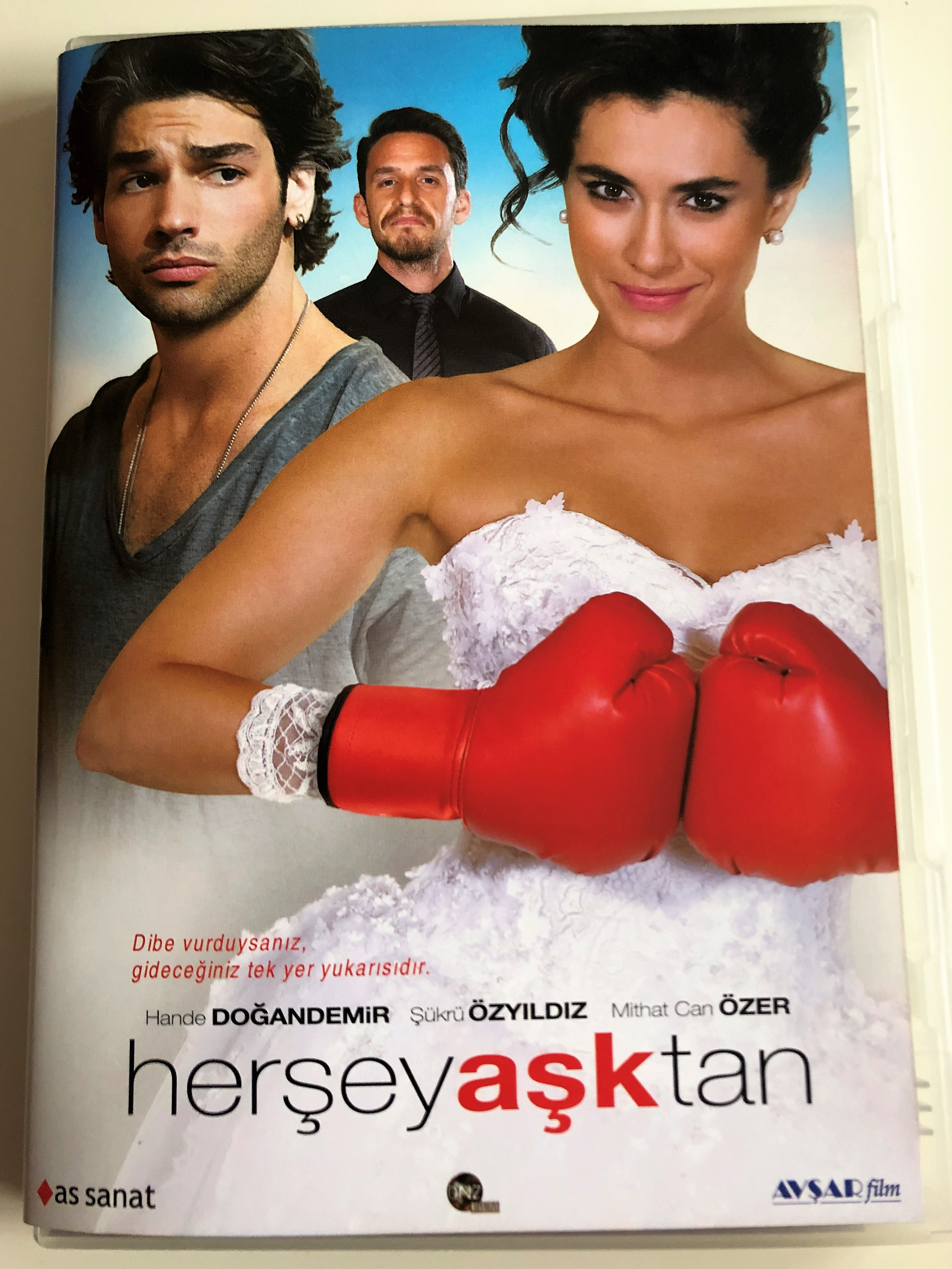 her-ey-a-ktan-dvd-2016-everything-is-love-directed-by-anda-haznedaro-lu-starring-hande-do-andemir-kr-zy-ld-z-mithat-can-zer-1-.jpg