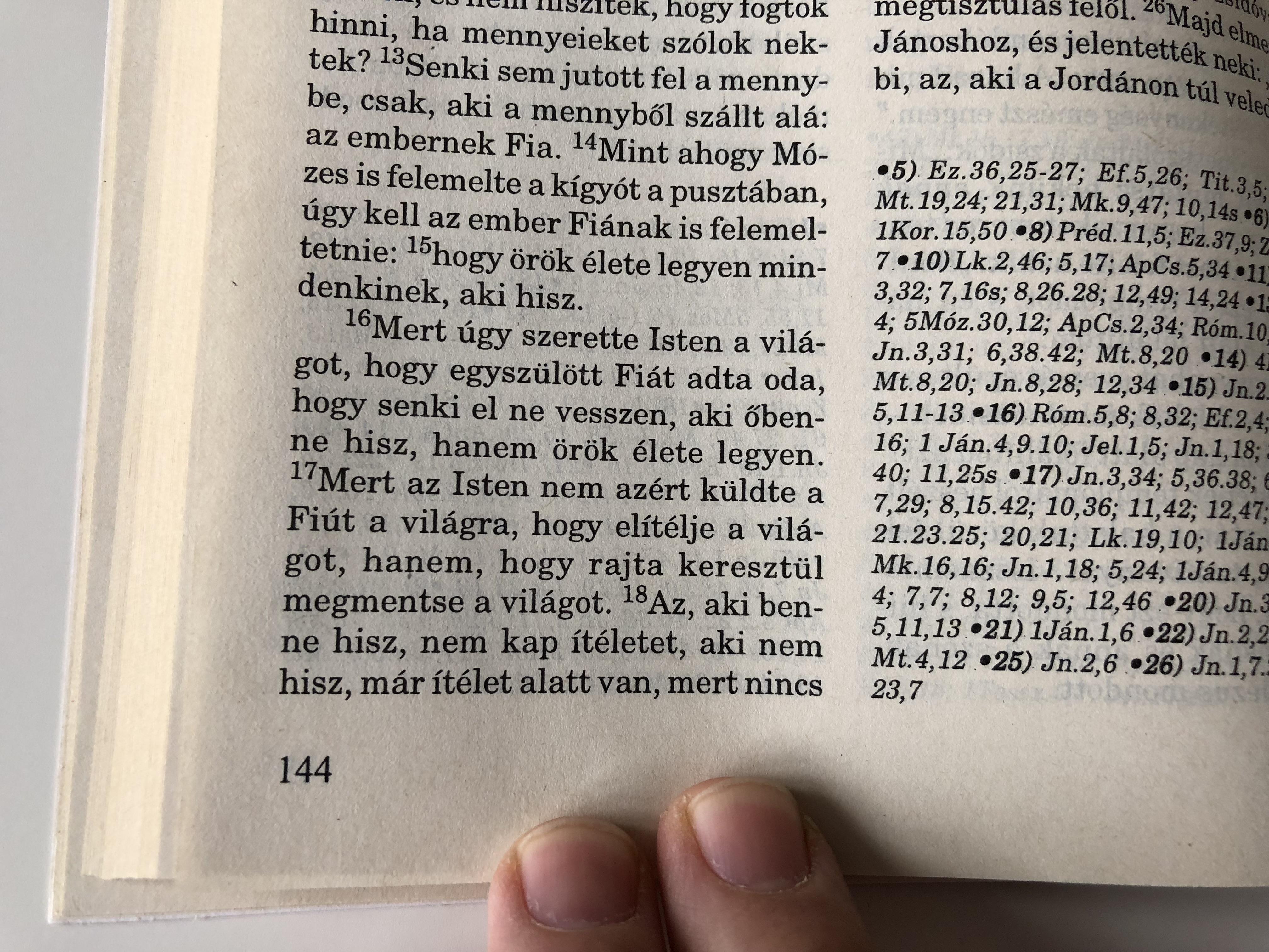 hungarian-new-testament-csia-jsz-vets-g-csia-lajos-fordit-sa-szerint-paperback-1997-3rd-edition-11-.jpg