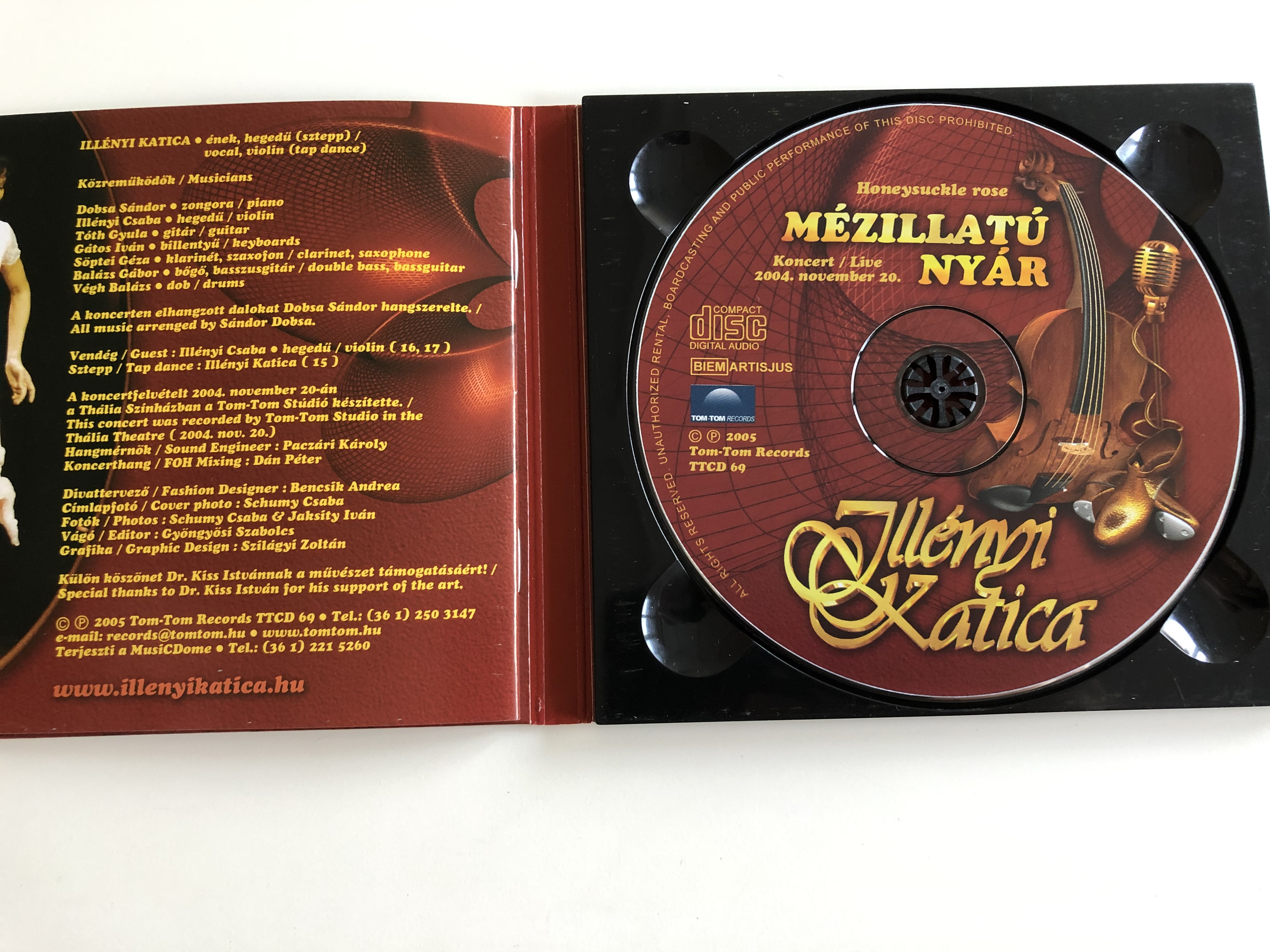 ill-nyi-katica-honeysuckle-rose-m-zillat-ny-r-live-concert-2004-audio-cd-2005-recorded-in-th-lia-theater-tom-tom-records-4-.jpg