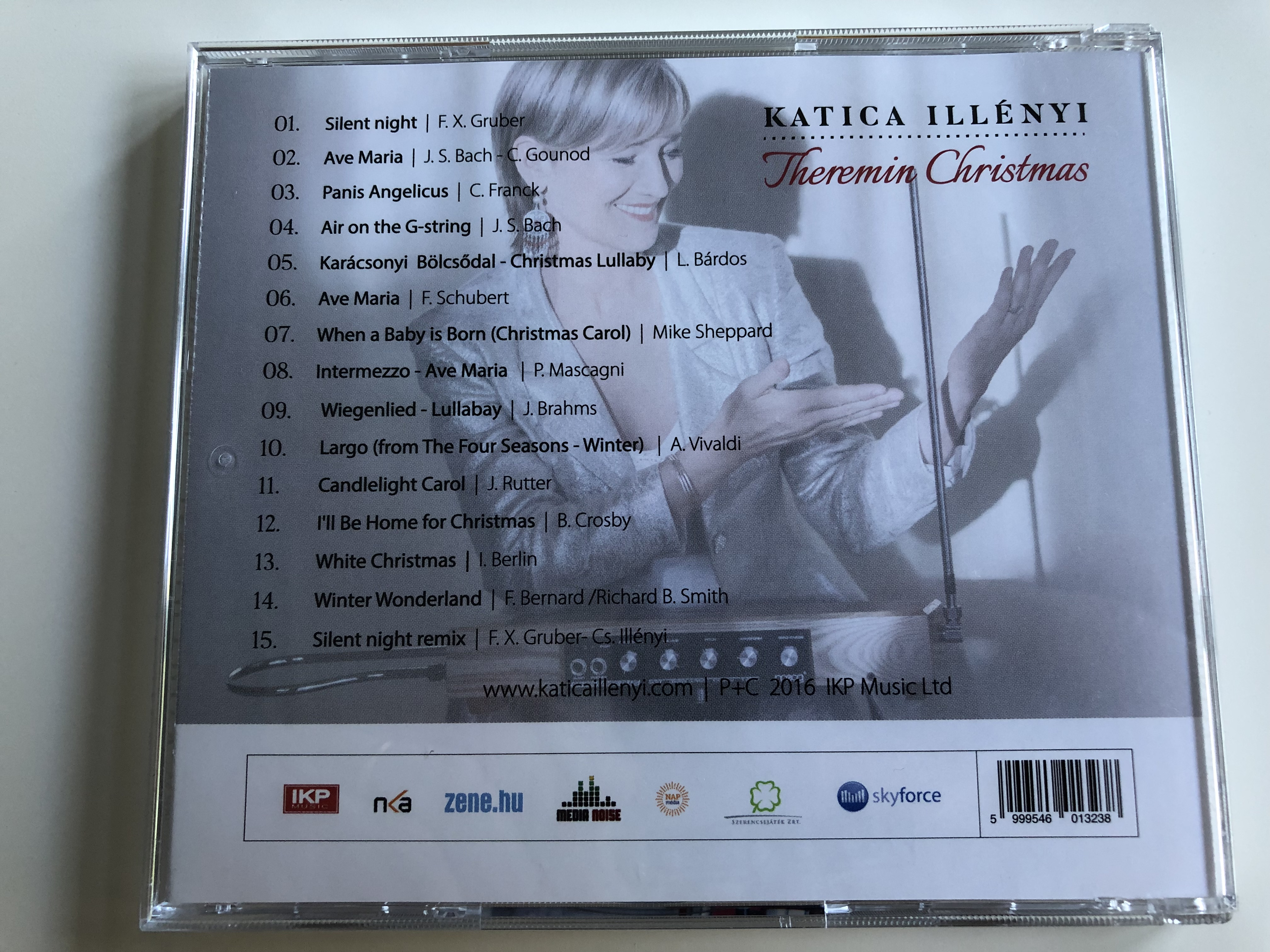 katica-ill-nyi-theremin-christmas-silent-night-air-on-the-g-string-white-christmas-audio-cd-2016-6-.jpg