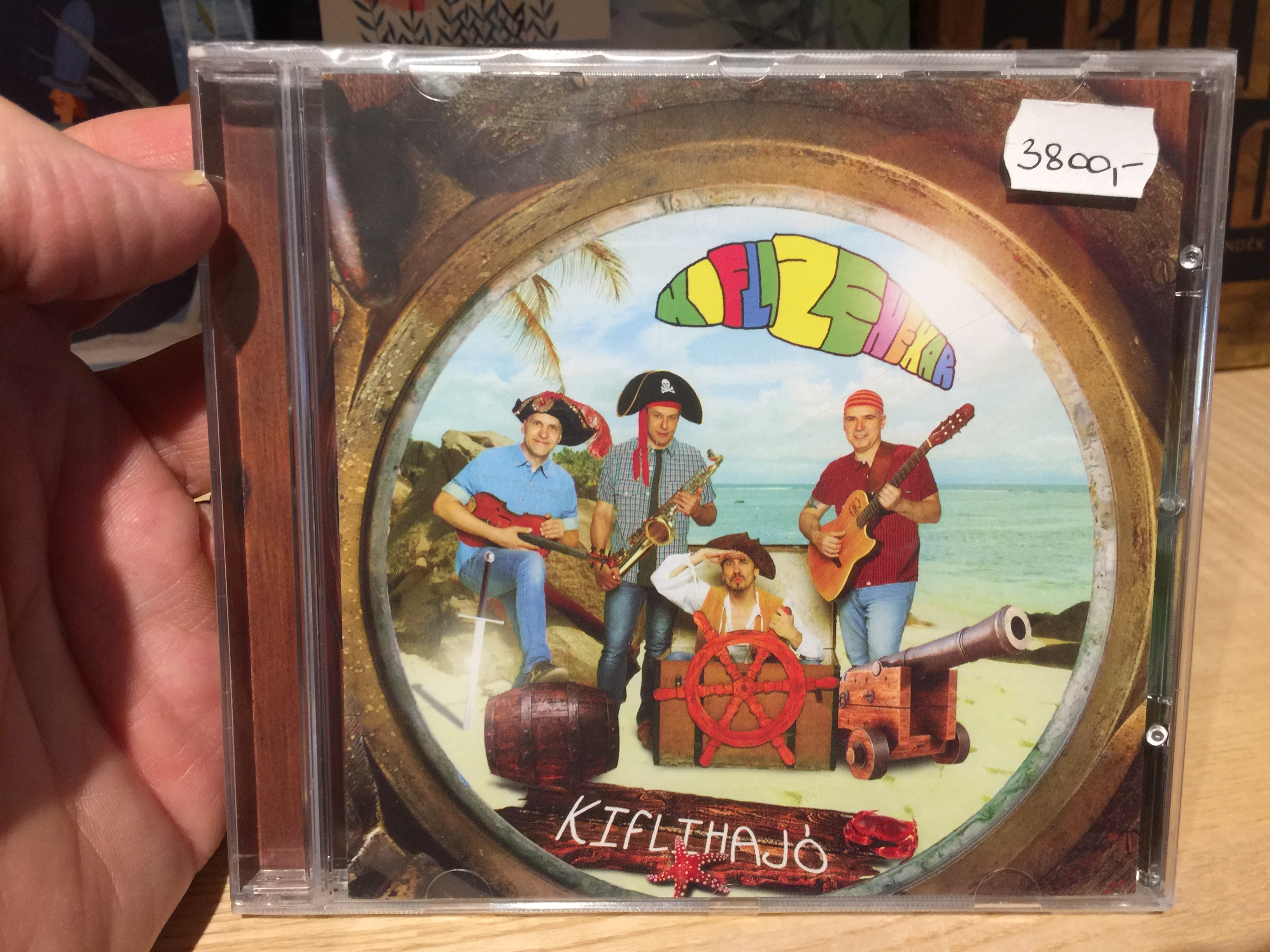 kiflizenekar-kiflihajo-audio-cd-5998856550052-1-.jpg