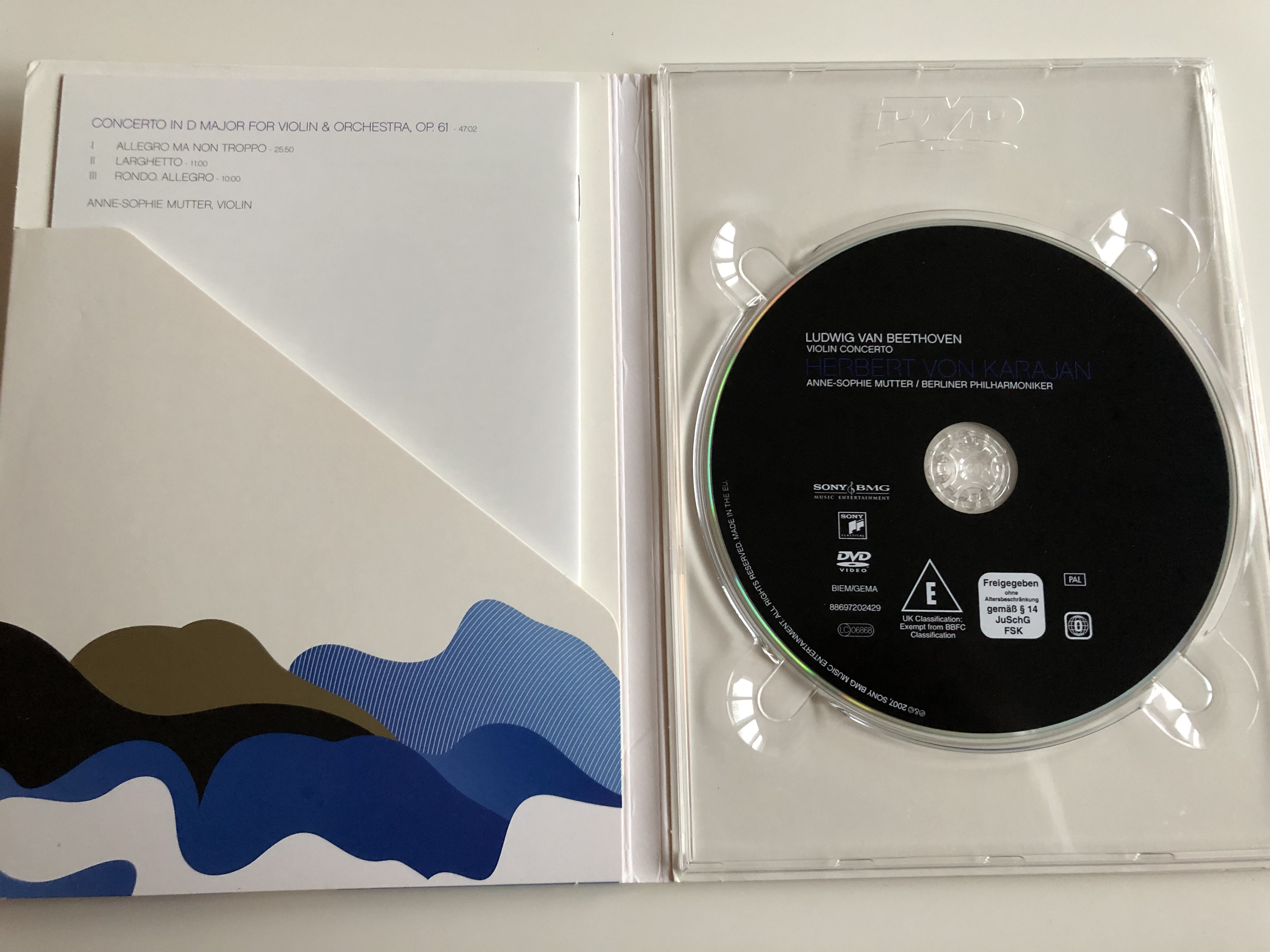 ludwig-van-beethoven-violin-concerto-op-61-dvd-2007-herbert-von-karajan-anne-sophie-mutter-violin-berlin-philharmoniker-2-.jpg