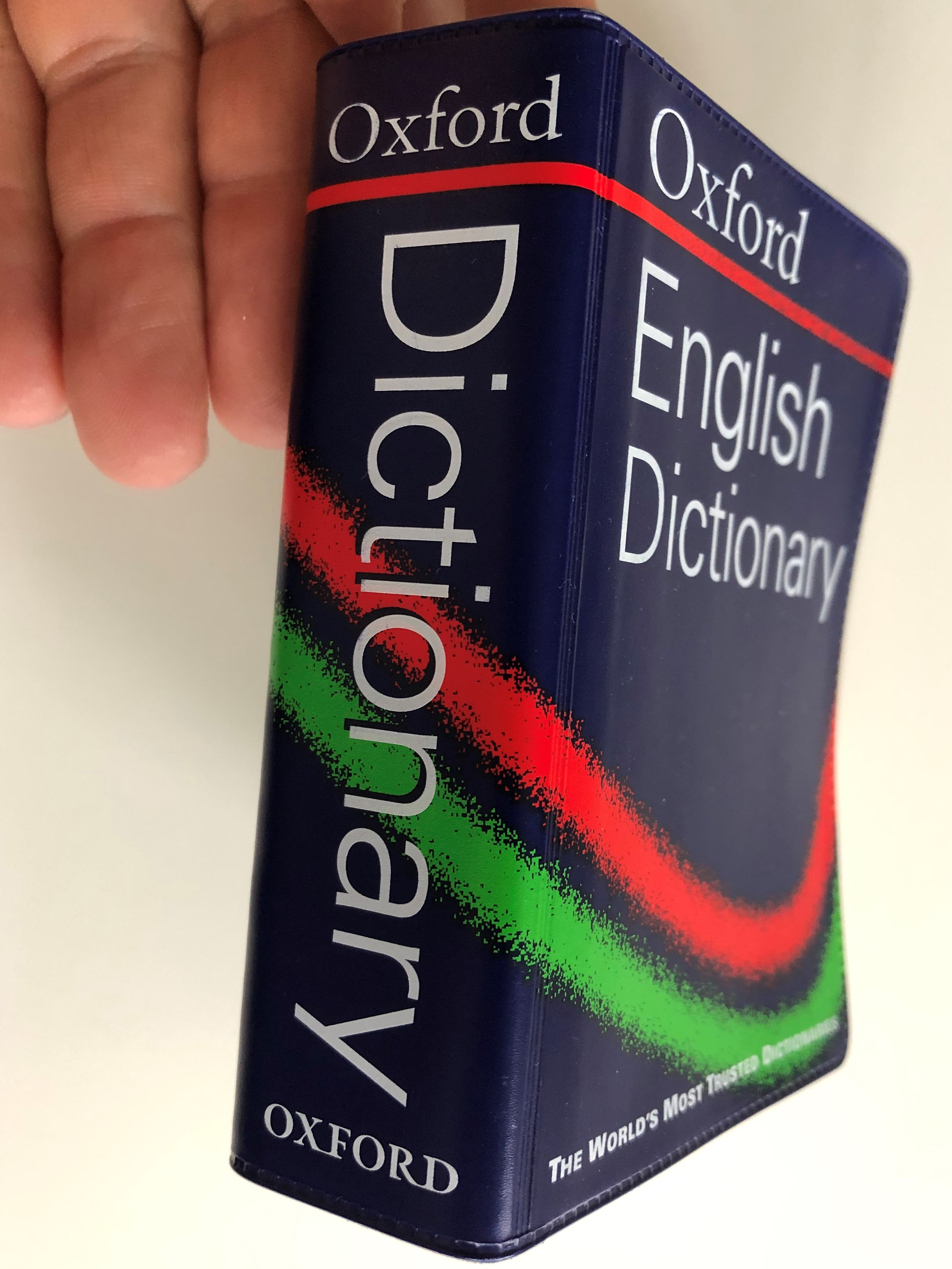 oxford-english-dictionary-the-world-s-most-trusted-dictionaries-essential-reliable-practical-oxford-university-press-2-.jpg