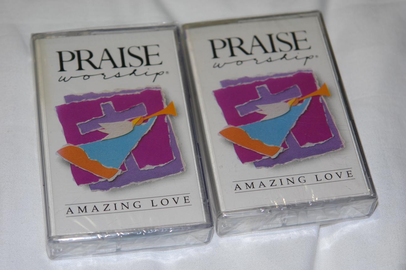 praise-worship-amazing-love-hosanna-music-audio-cassette-hm-30-1-.jpg