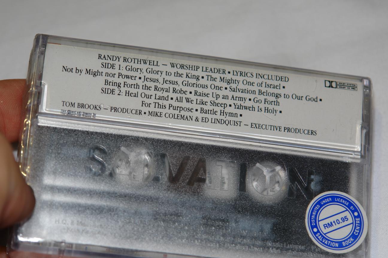praise-worship-army-of-god-integrity-s-hosanna-music-audio-cassette-hm-20-3-.jpg