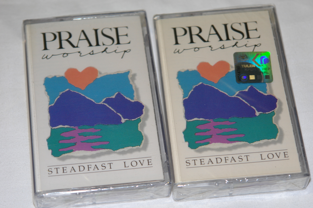 praise-worship-steadfast-love-integrity-s-hosanna-music-audio-cassette-1-.jpg