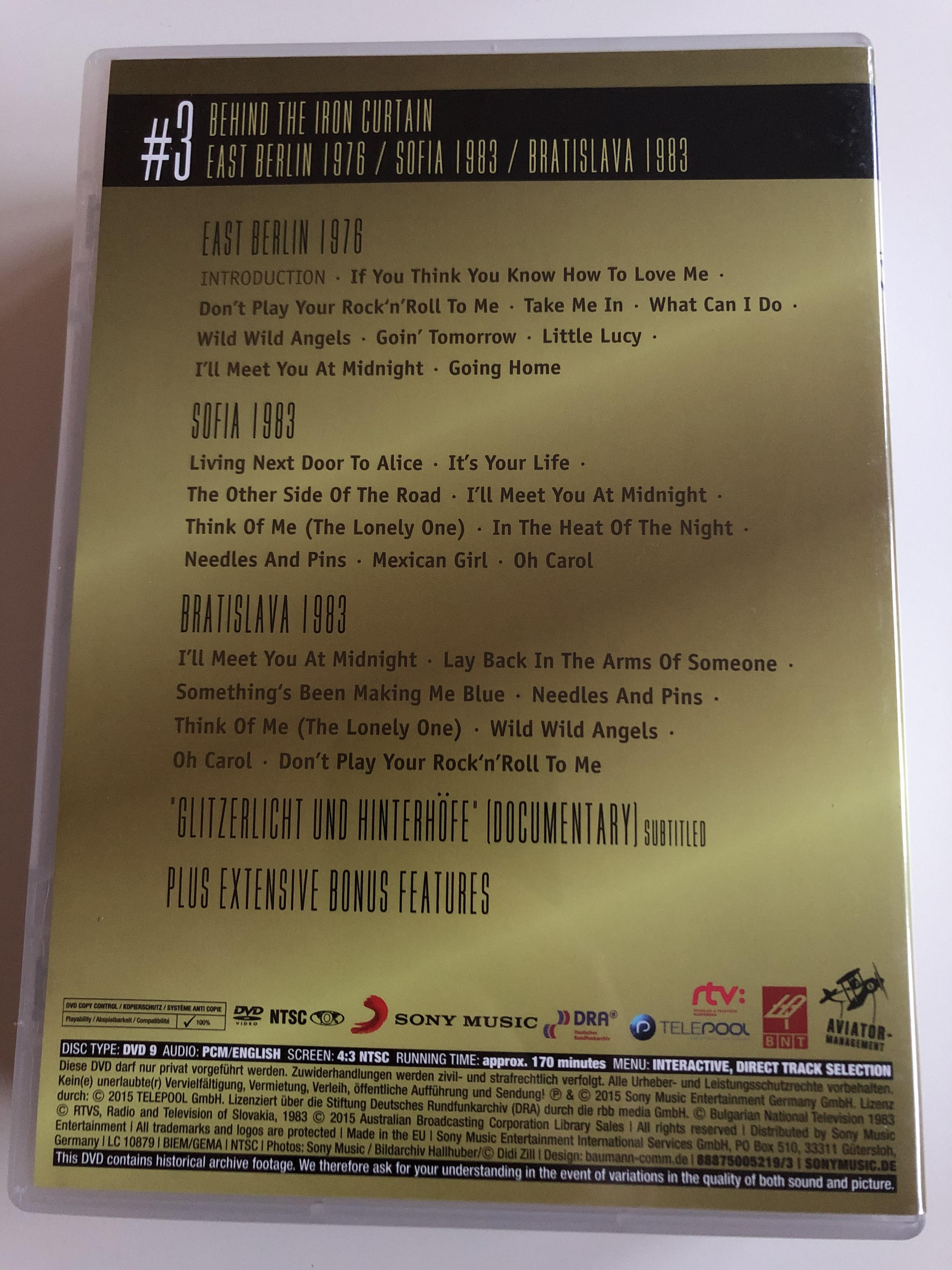 smokie-gold-1975-2015-dvd-3-40th-anniversary-edition-behind-the-iron-curtain-east-berlin-1976-sofia-1983-bratislava-1983-glitzerlicht-und-hinterh-fe-documentary-sony-music-2-.jpg