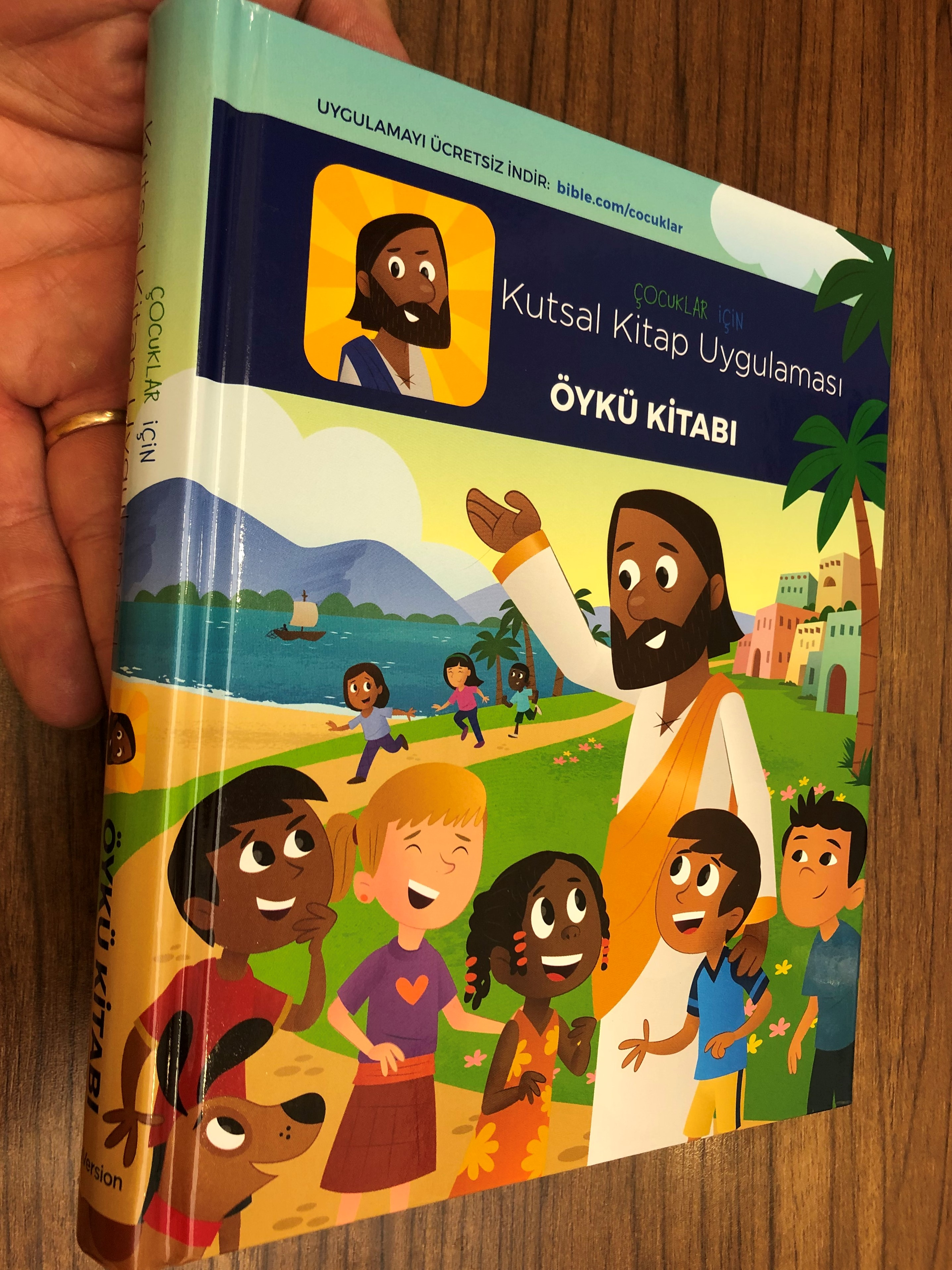 storybook-bible-in-turkish-language-ocuklar-i-in-kutsal-kitap-uygulamas-yk-kitab-youversion-hardcover-1-.jpg