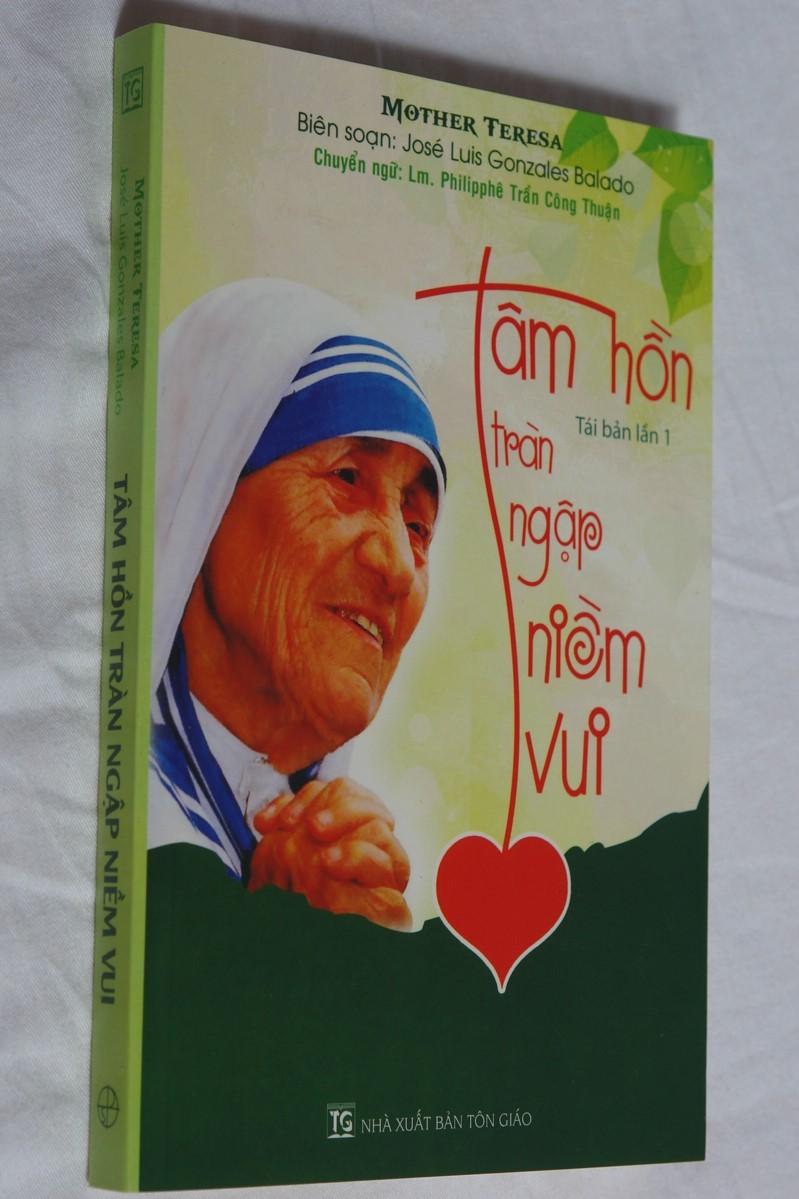 t-m-h-n-tr-n-ng-p-ni-m-vui-vietnamese-edition-of-heart-of-joy-mother-theresa-1.jpg