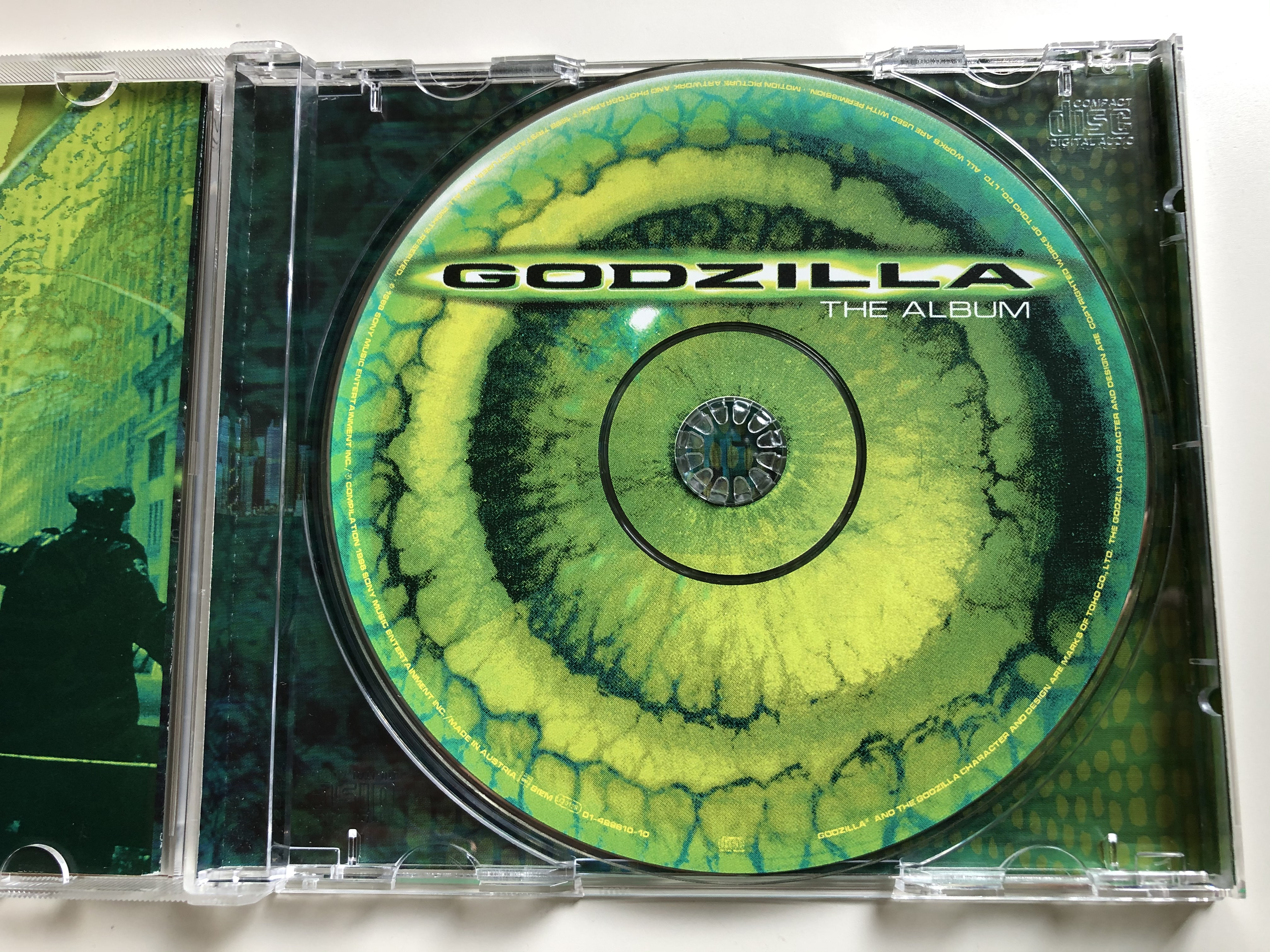 the-album-godzilla-sony-music-soundtrax-audio-cd-1998-489610-2-8-.jpg