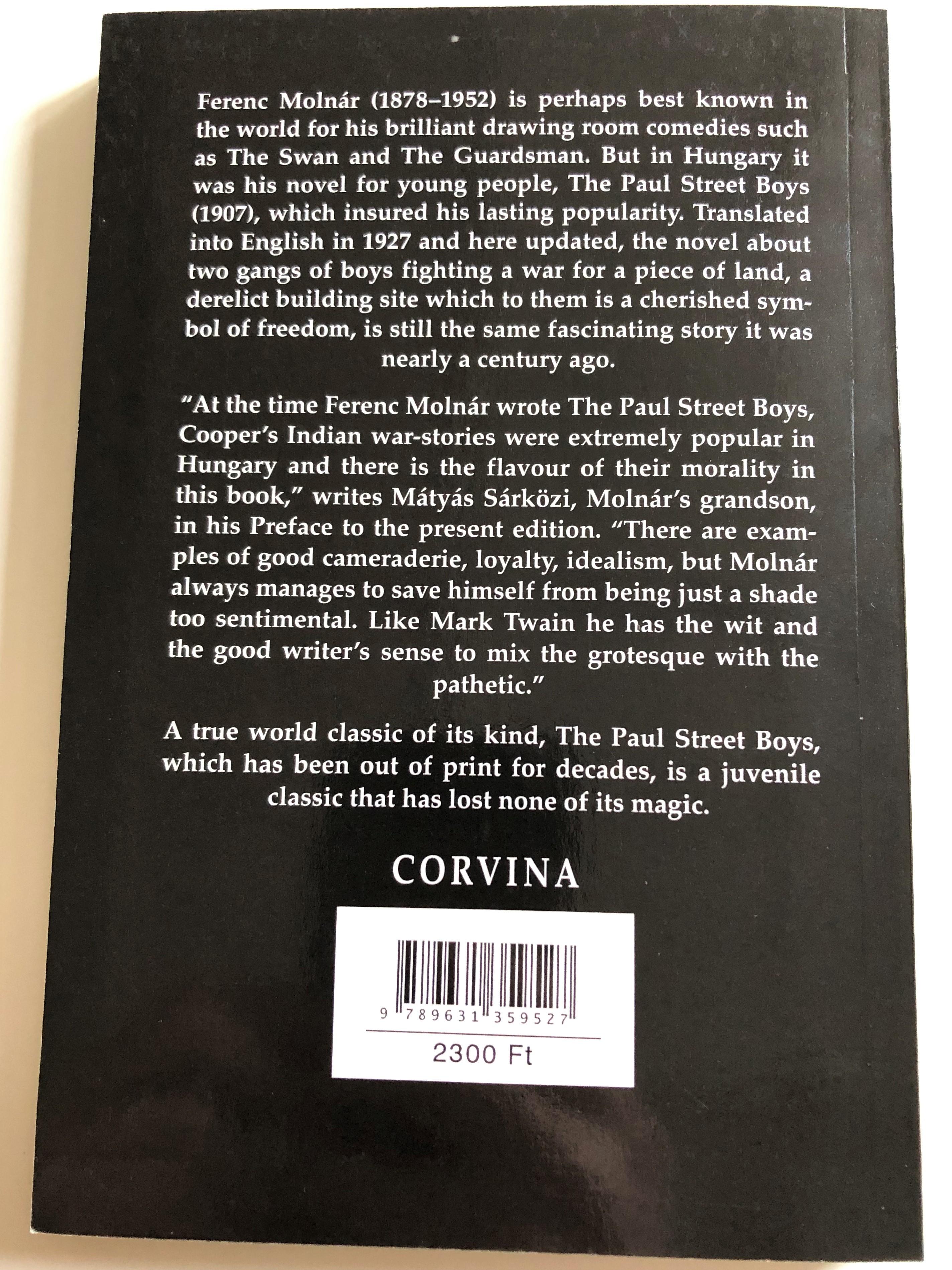 the-paul-street-boys-ferenc-moln-r-p-l-utcai-fi-k-in-english-language-paperback-corvina-2015-hungarian-literary-classic-2-.jpg