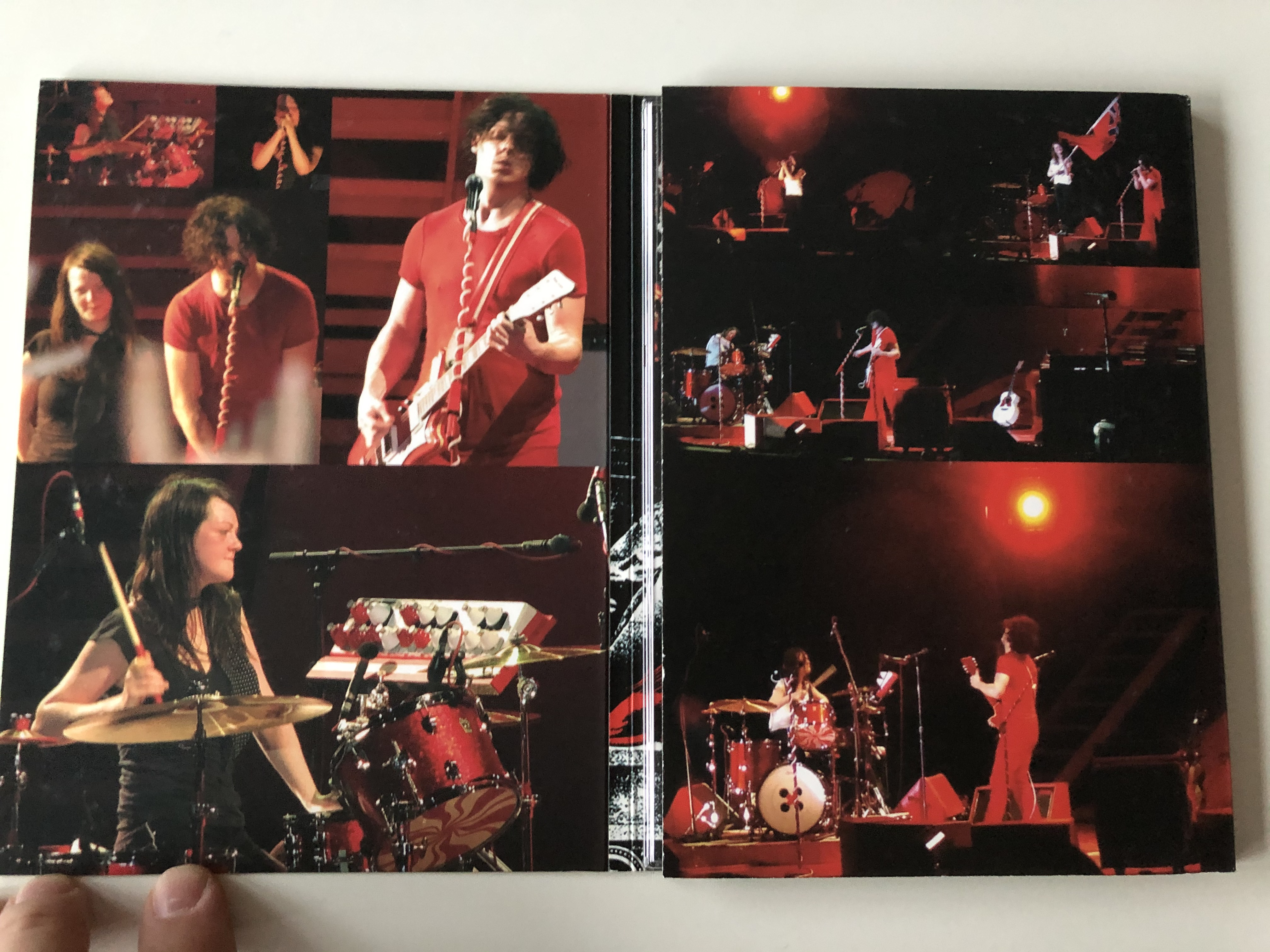 the-white-stripes-dvd-2007-a-story-to-tell-2.jpg