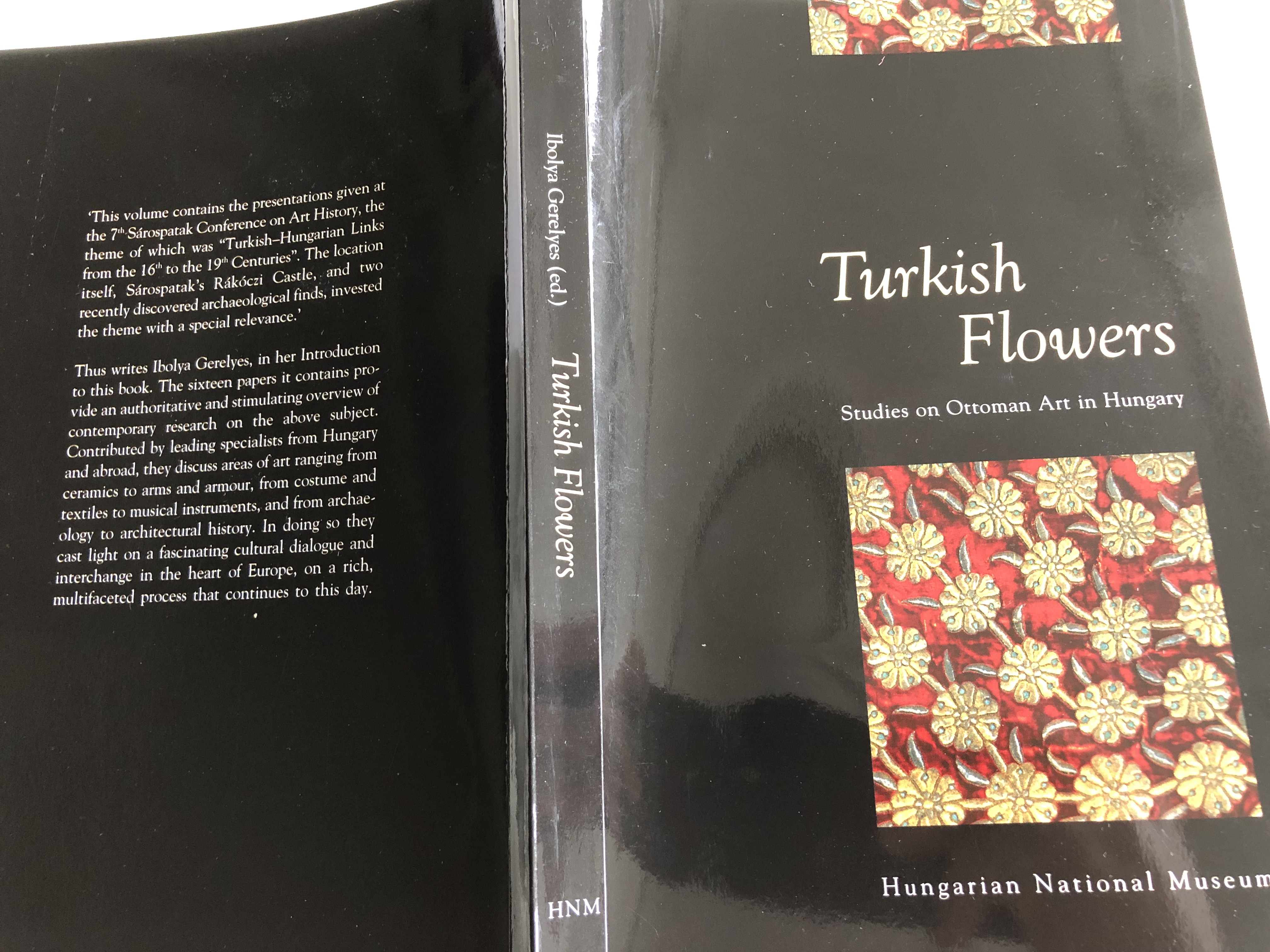turkish-flowers-studies-on-ottoman-art-in-hungary-hungarian-national-museum-2005-editor-ibolya-gerelyes-21-.jpg