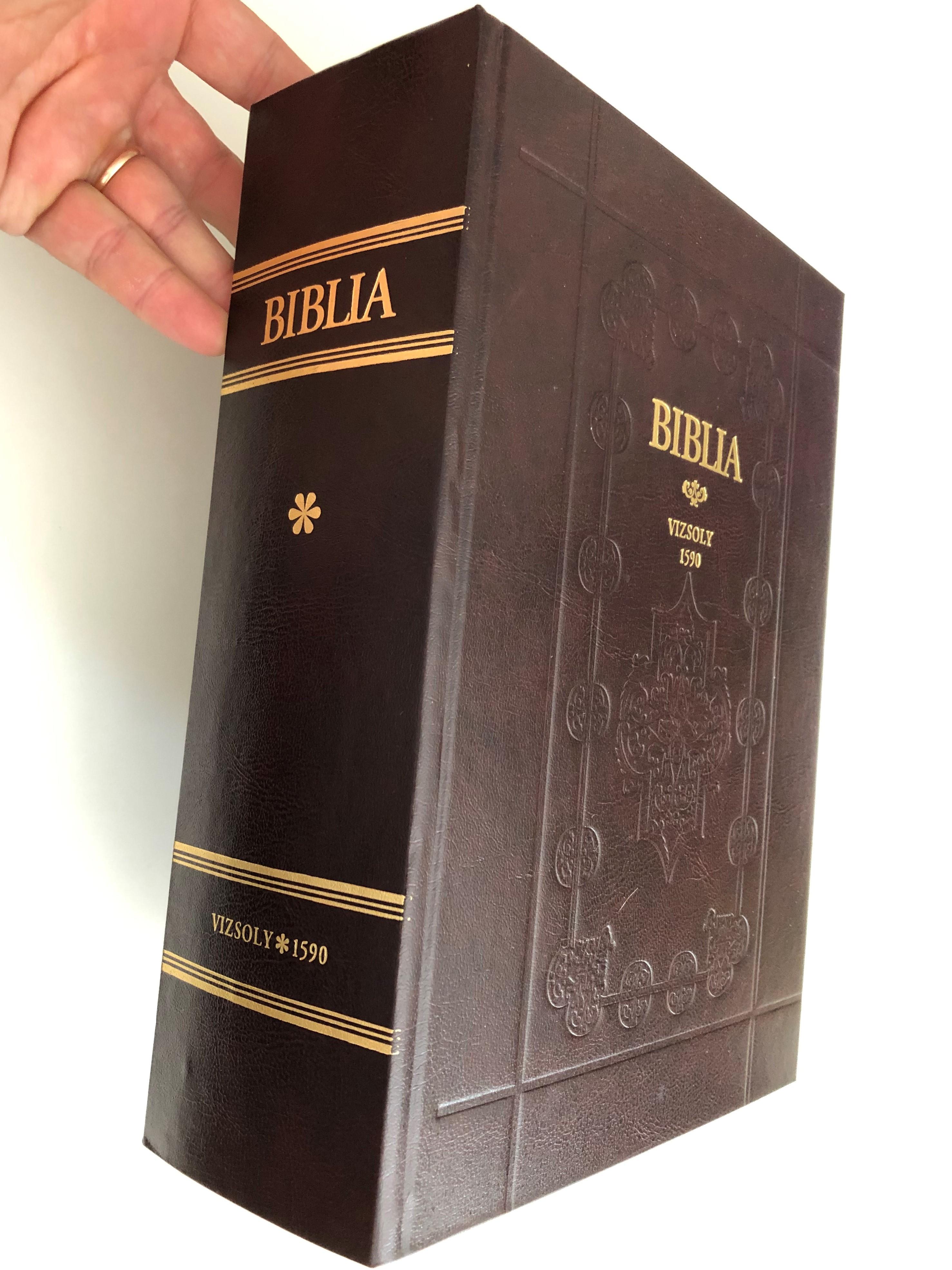 vizsolyi-szent-biblia-1590-hungarian-1590-k-roli-translation-reprint-holy-bible-set-istennec-es-wy-testamentvmanac-prophe-ta-c-es-apostoloc-ltal-meg-iratott-szent-k-nyuei-rcn-l-maradand-bb-tanulm-ny-essay-book-d-6357113-.jpg