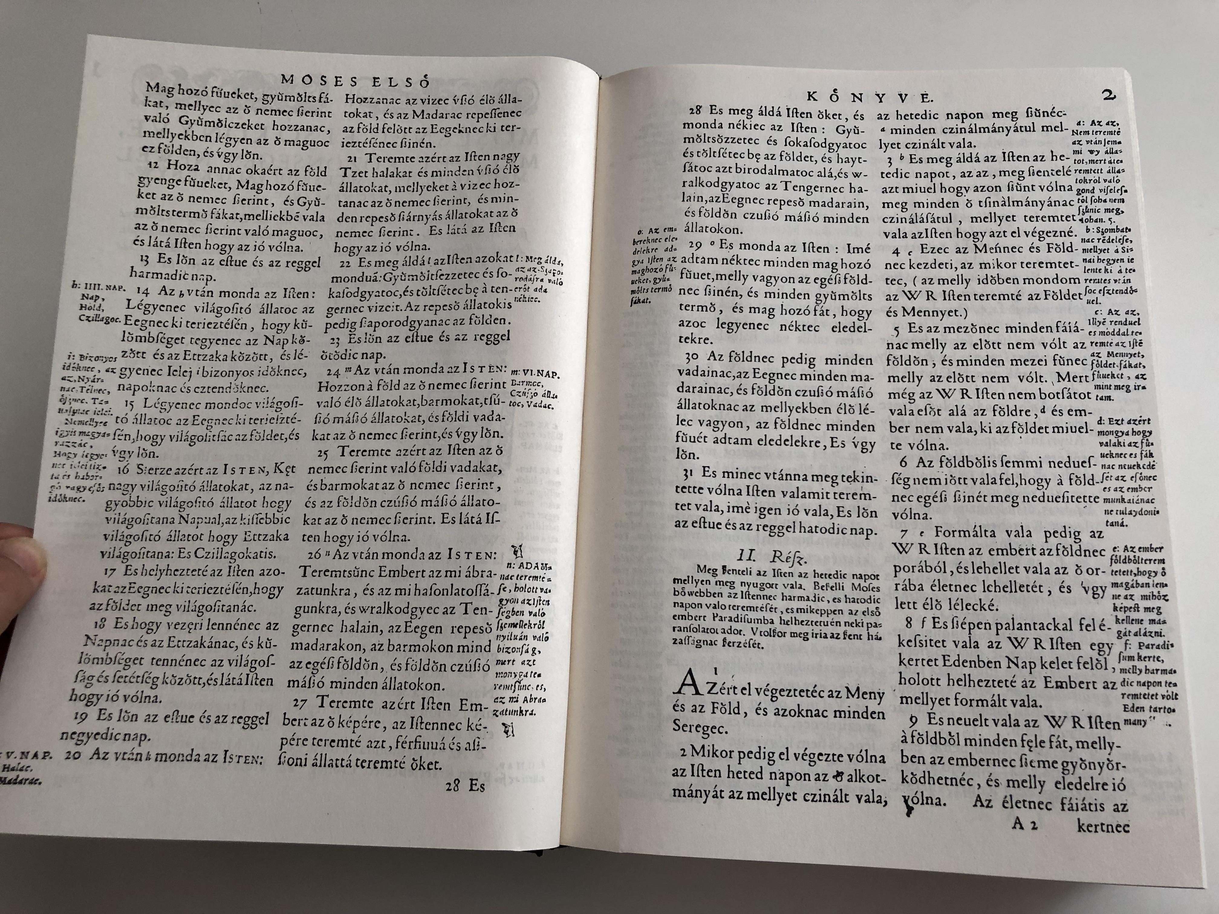 vizsolyi-szent-biblia-1590-hungarian-1590-k-roli-translation-reprint-holy-bible-set-istennec-es-wy-testamentvmanac-prophe-ta-c-es-apostoloc-ltal-meg-iratott-szent-k-nyuei-rcn-l-maradand-bb-tanulm-ny-essay-book-d-6357118-.jpg