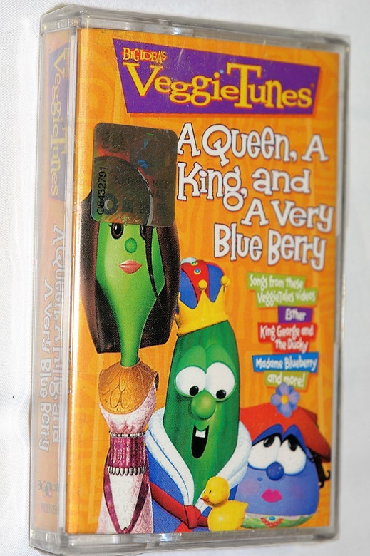 Big Ideas VeggieTunes: A Queen, A King, and A Very Blue Berry / Songs from These VeggieTales Videos: Esther - King George and the Ducky - Madame Blueberry - and more! (080688609047)