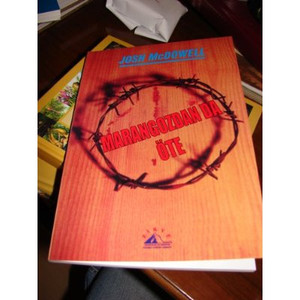 More Than a Carpenter in Turkish (Marangozdan Da Ote) [Paperback]