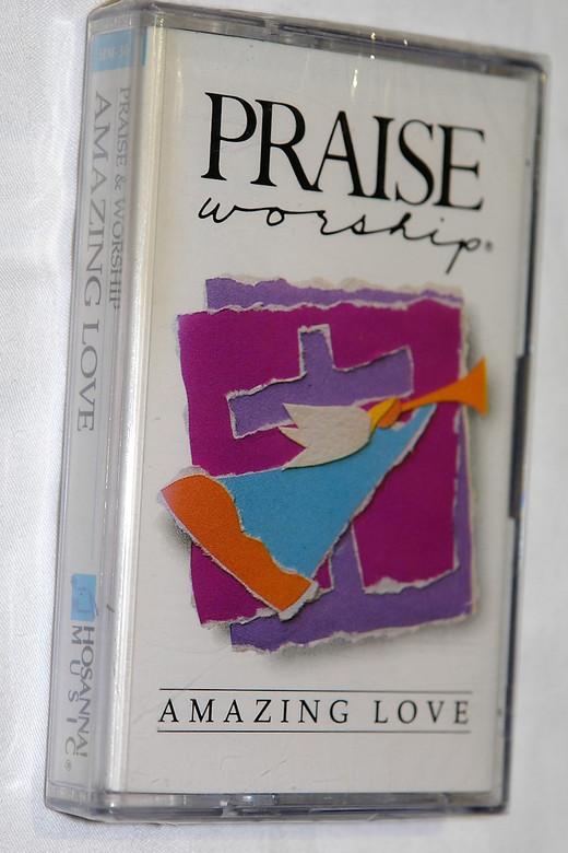 Praise & Worship - Amazing Love / Hosanna! Music – Audio Cassette / HM-30