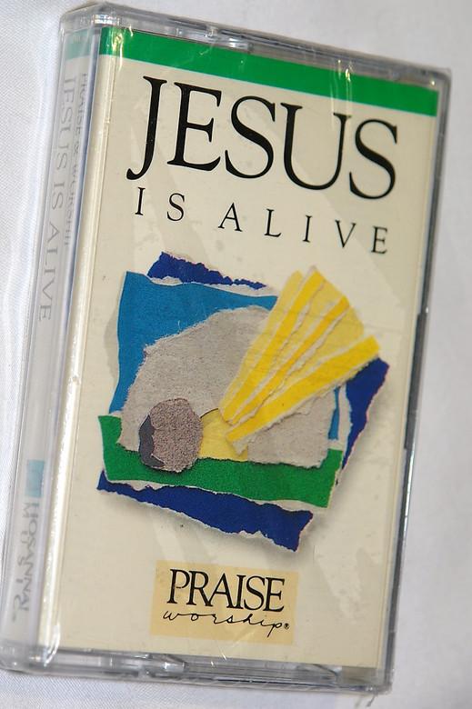Jesus Is Alive - Praise & Worship / Hosanna! Music – Audio Cassette / HMC036